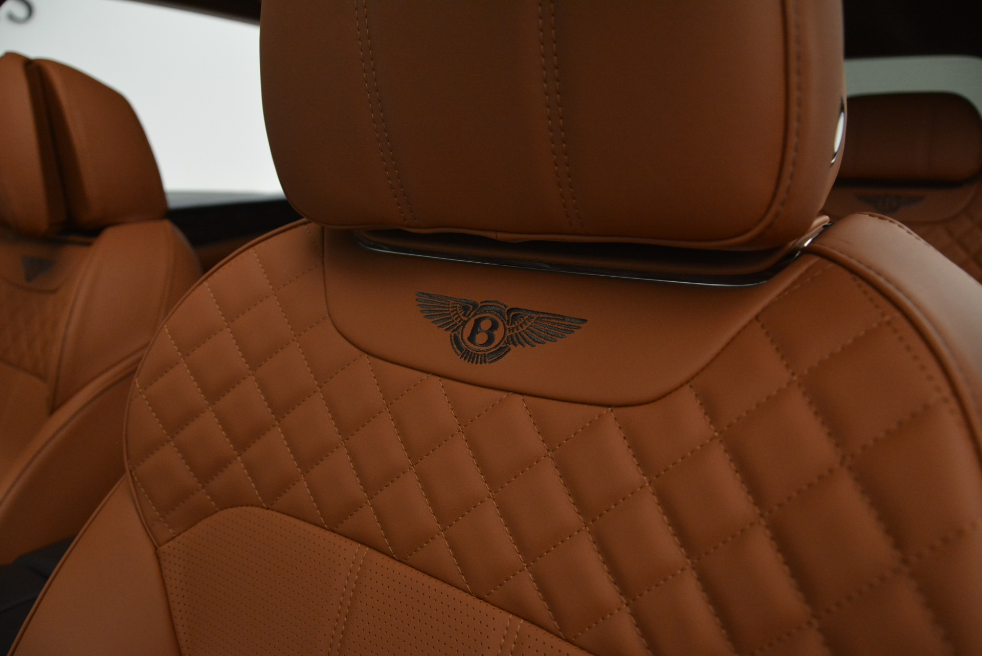 New 2018 Bentley Bentayga Signature For Sale In Greenwich, CT. Alfa Romeo of Greenwich, B1336 2071_p22