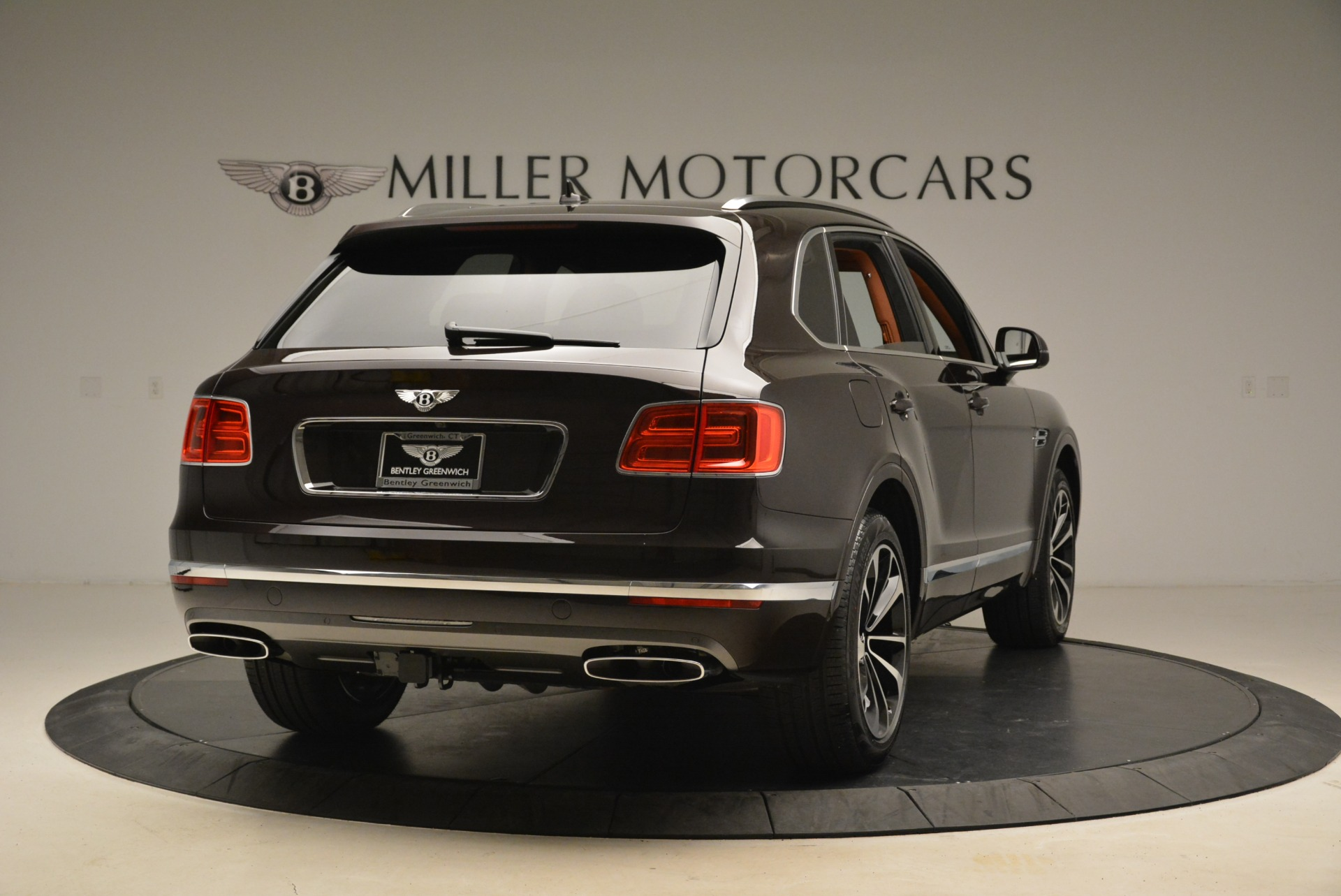 New 2018 Bentley Bentayga Signature For Sale In Greenwich, CT. Alfa Romeo of Greenwich, B1336 2071_p7