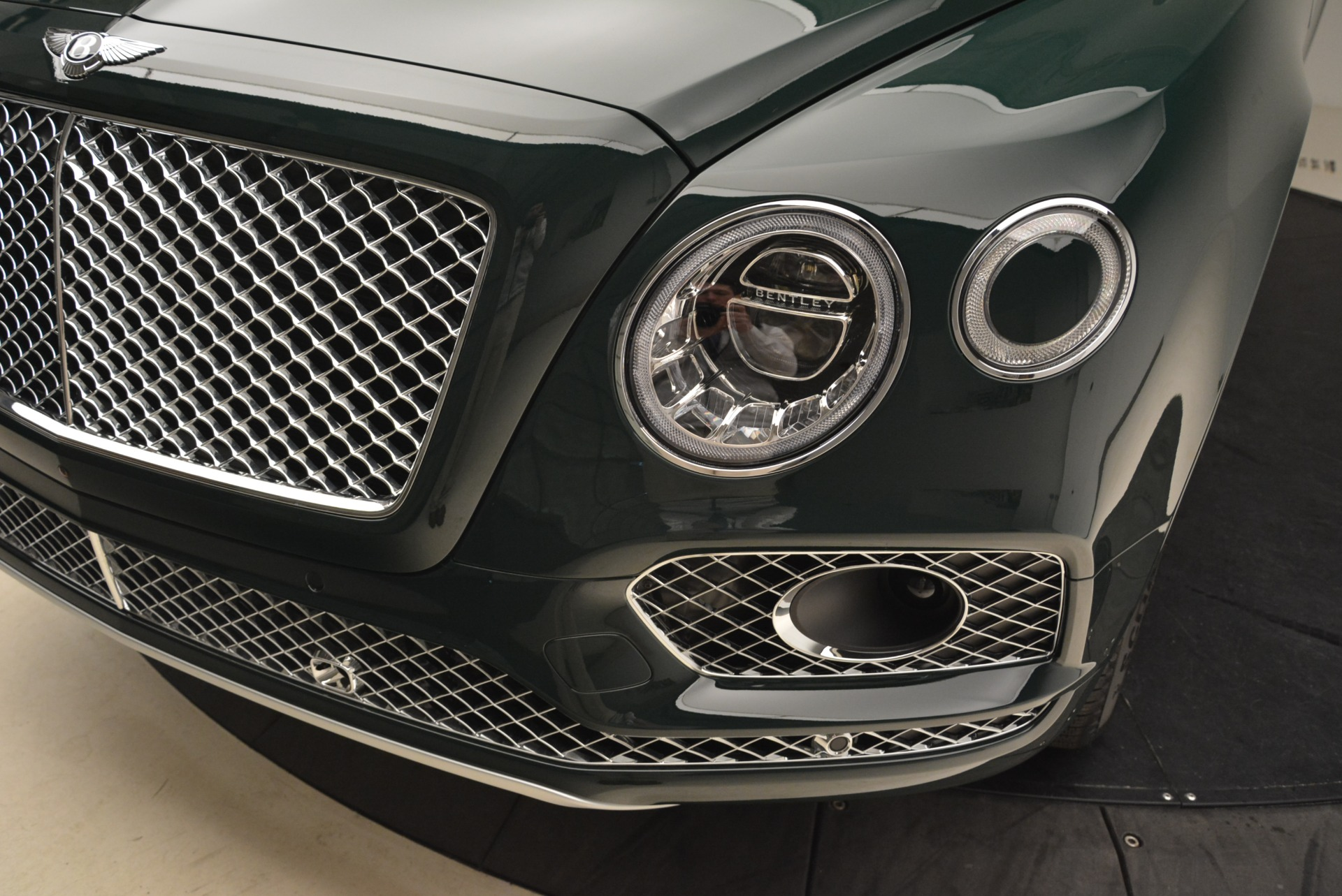 New 2018 Bentley Bentayga Signature For Sale In Greenwich, CT. Alfa Romeo of Greenwich, B1340 2072_p14