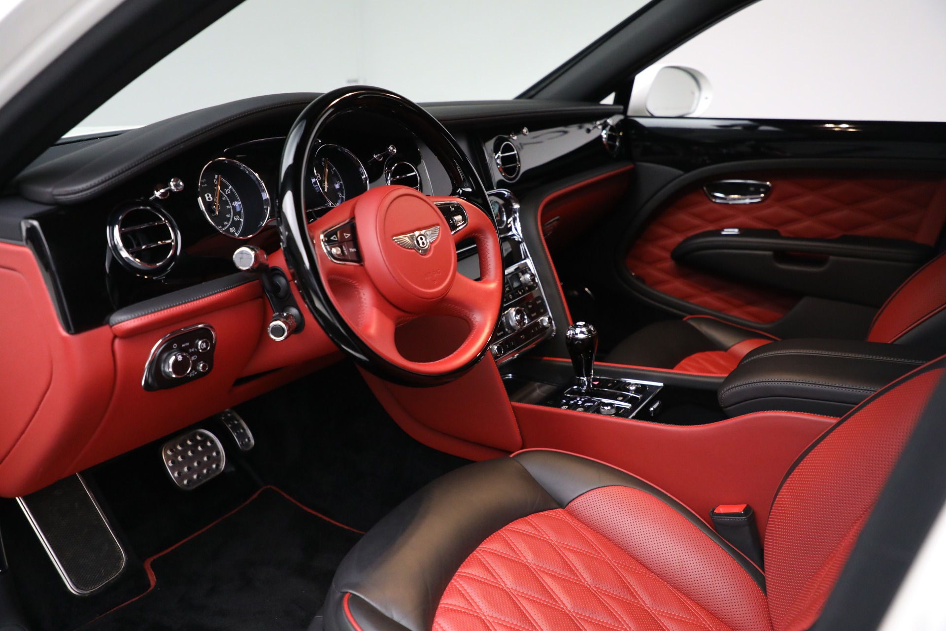 Used 2018 Bentley Mulsanne Speed For Sale In Greenwich, CT. Alfa Romeo of Greenwich, B1350 2075_p16