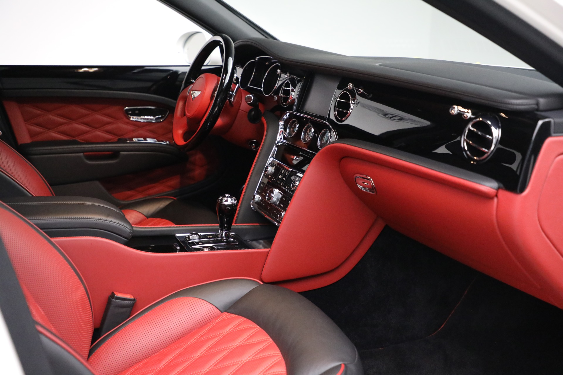 Used 2018 Bentley Mulsanne Speed For Sale In Greenwich, CT. Alfa Romeo of Greenwich, B1350 2075_p27