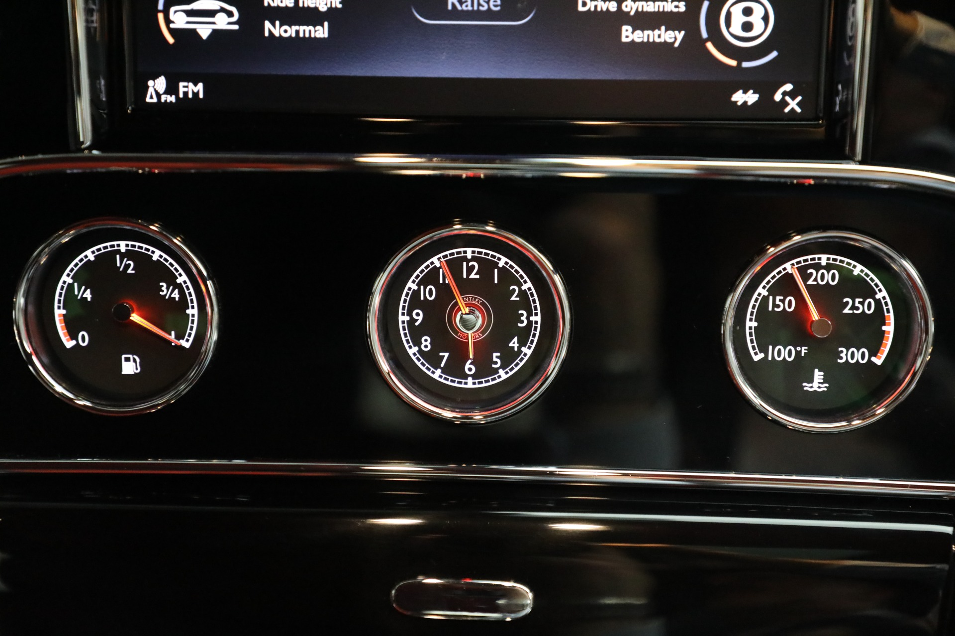 Used 2018 Bentley Mulsanne Speed For Sale In Greenwich, CT. Alfa Romeo of Greenwich, B1350 2075_p31