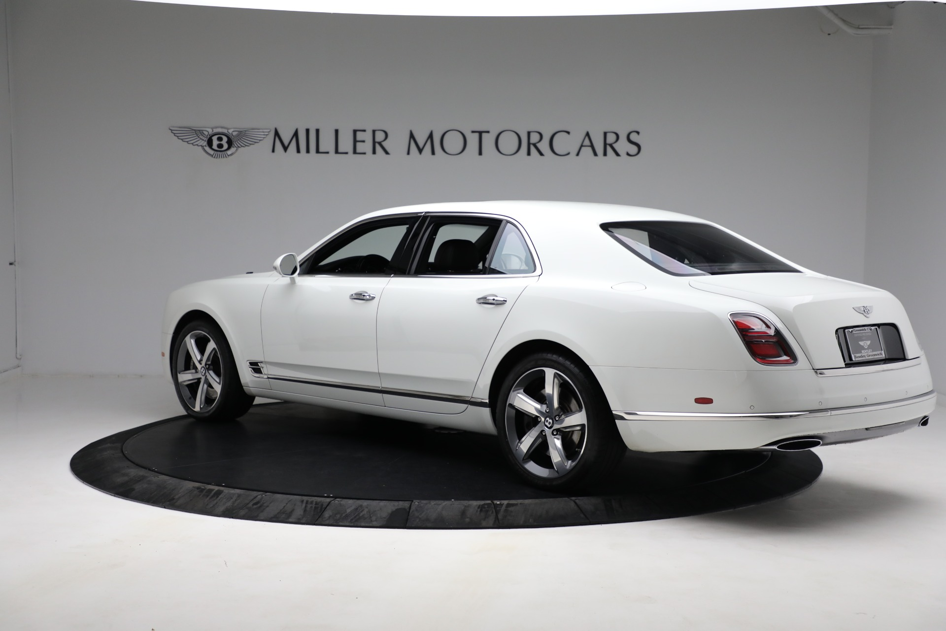 Used 2018 Bentley Mulsanne Speed For Sale In Greenwich, CT. Alfa Romeo of Greenwich, B1350 2075_p3