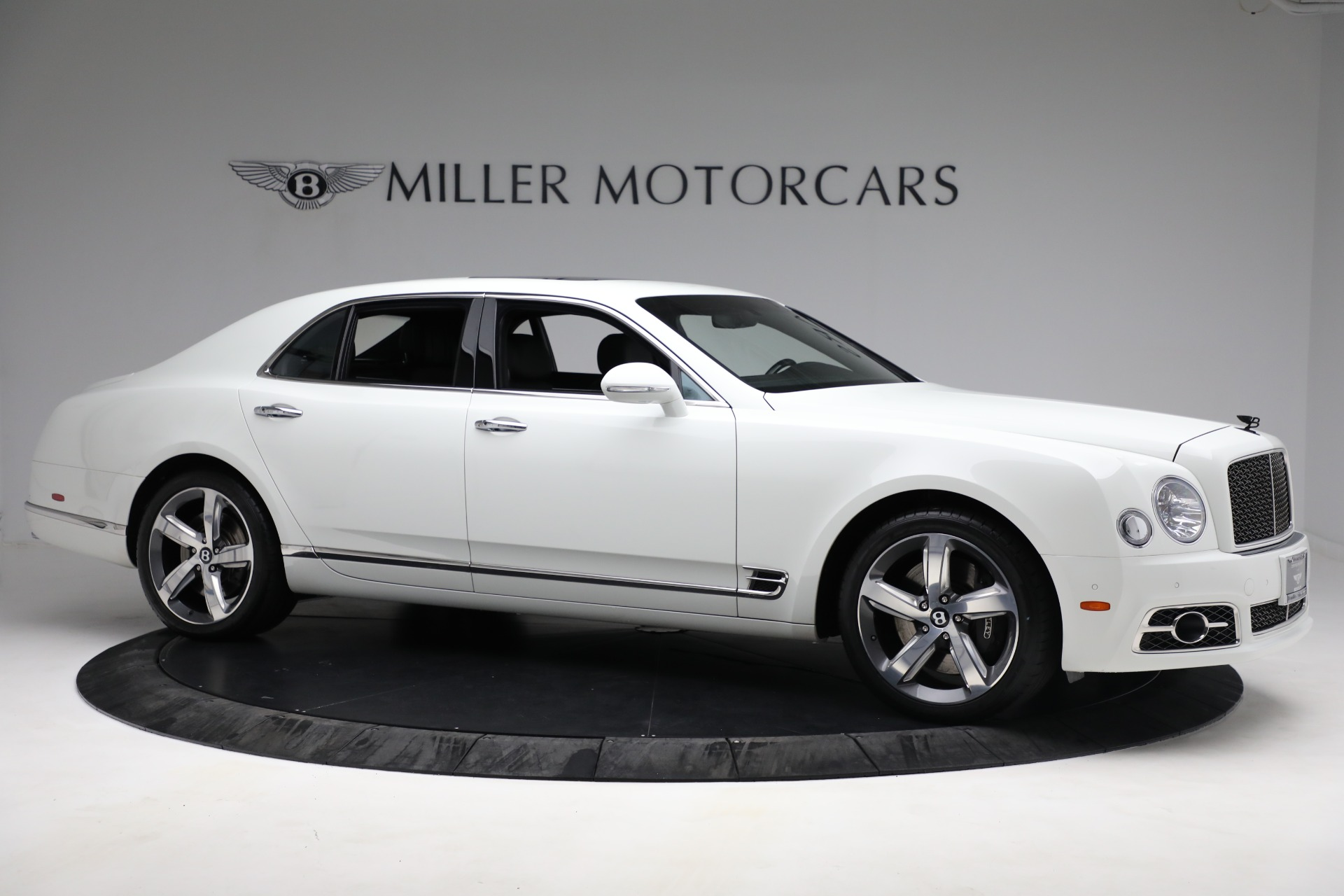 Used 2018 Bentley Mulsanne Speed For Sale In Greenwich, CT. Alfa Romeo of Greenwich, B1350 2075_p9