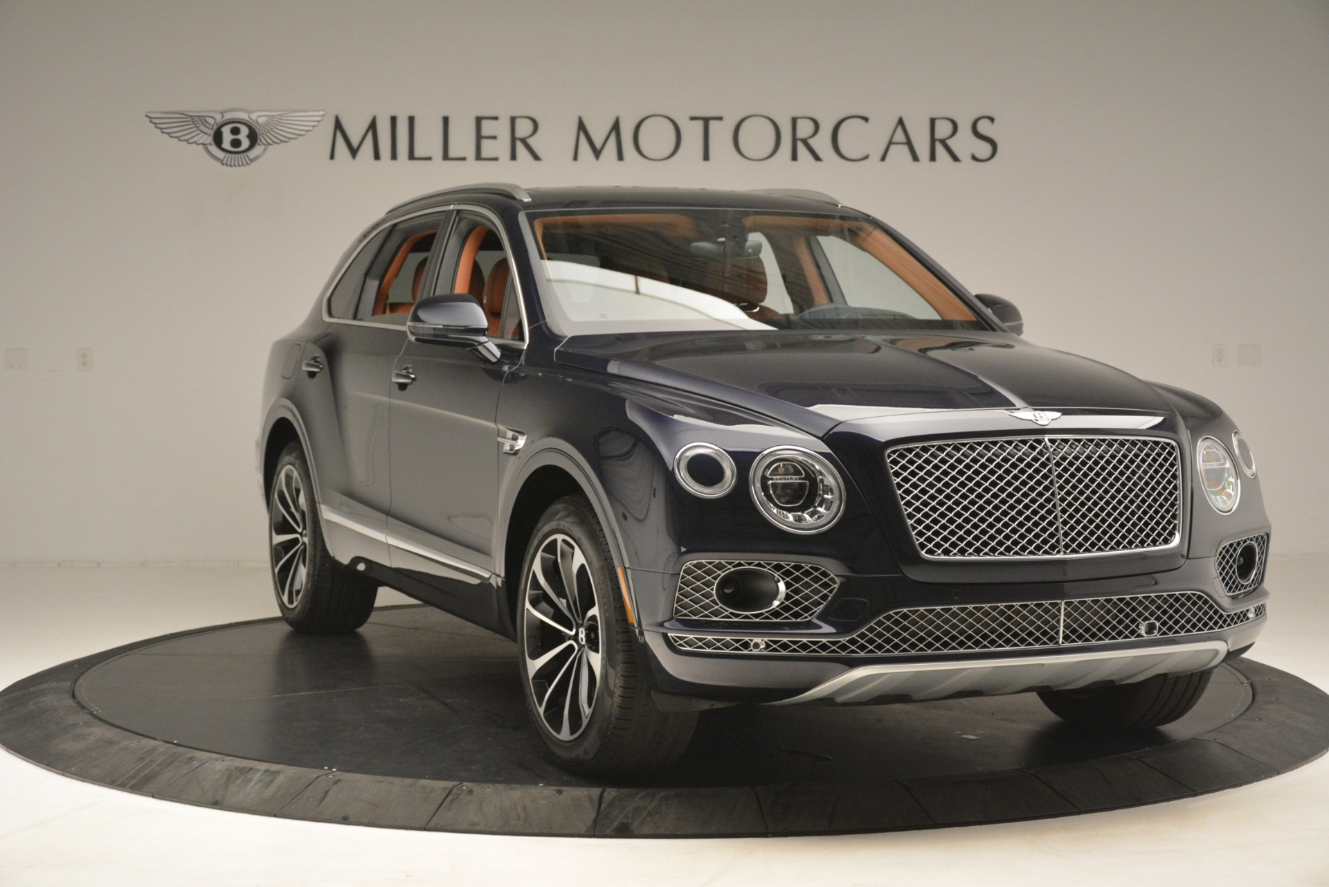 Used 2018 Bentley Bentayga Signature For Sale In Greenwich, CT. Alfa Romeo of Greenwich, 7582 2076_p12