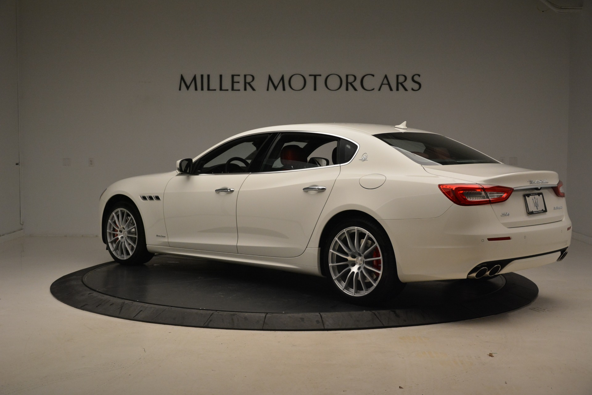 New 2018 Maserati Quattroporte S Q4 GranLusso For Sale In Greenwich, CT. Alfa Romeo of Greenwich, M2059 2085_p6