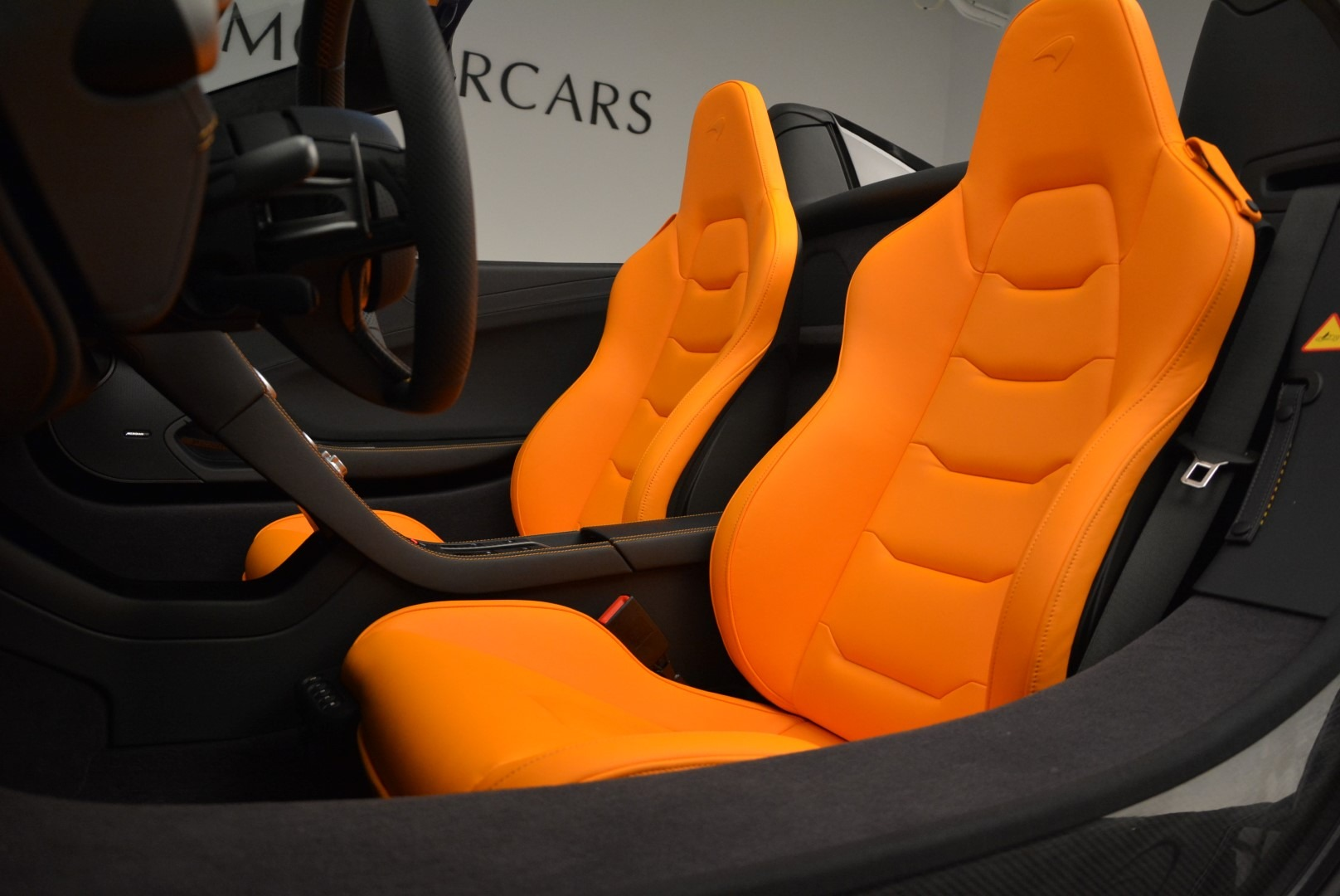 Used 2015 McLaren 650S Spider For Sale In Greenwich, CT. Alfa Romeo of Greenwich, MC334A 2089_p25
