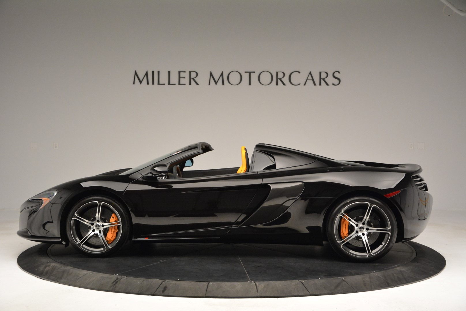 Used 2015 McLaren 650S Spider For Sale In Greenwich, CT. Alfa Romeo of Greenwich, MC334A 2089_p3