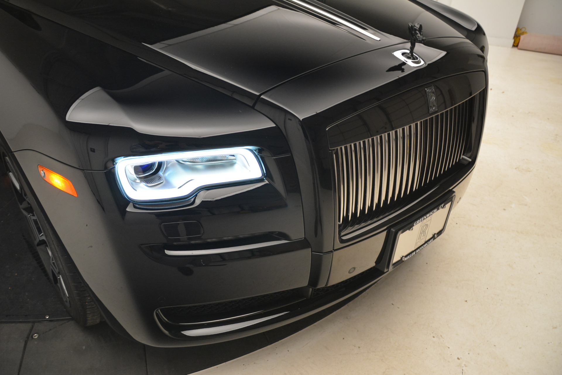 Used 2017 Rolls-Royce Ghost Black Badge For Sale In Greenwich, CT. Alfa Romeo of Greenwich, R454 2093_p11