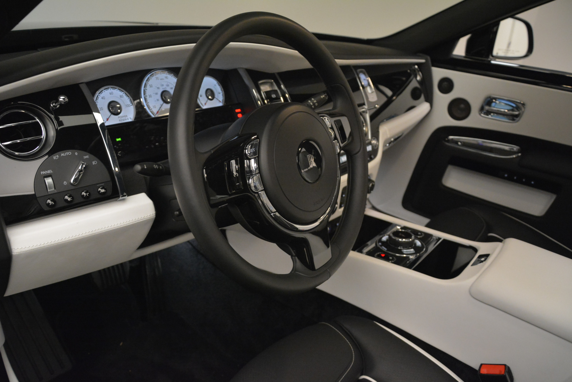 Used 2017 Rolls-Royce Ghost Black Badge For Sale In Greenwich, CT. Alfa Romeo of Greenwich, R454 2093_p18