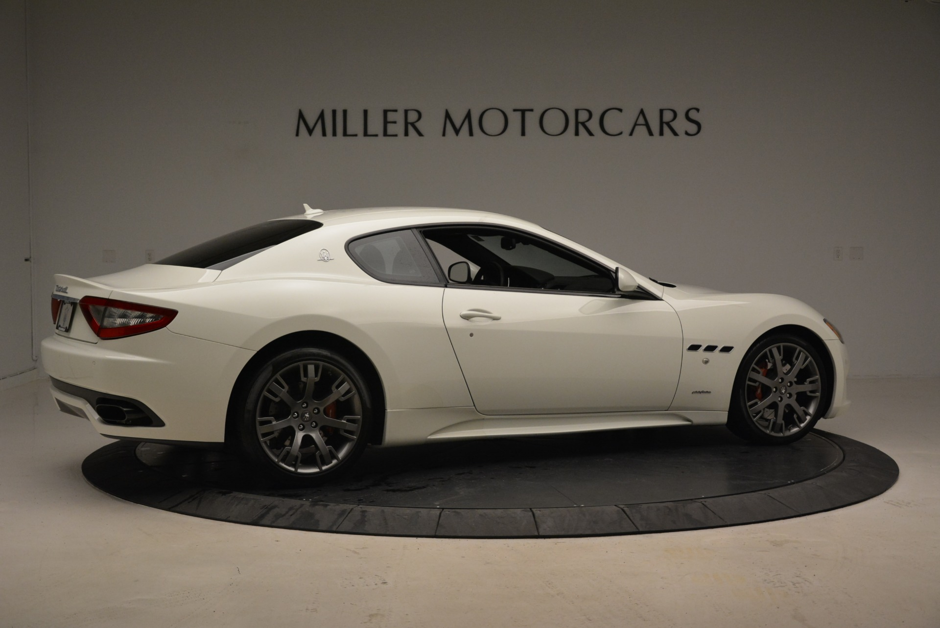 Used 2016 Maserati GranTurismo Sport For Sale In Greenwich, CT. Alfa Romeo of Greenwich, 7334 2095_p10