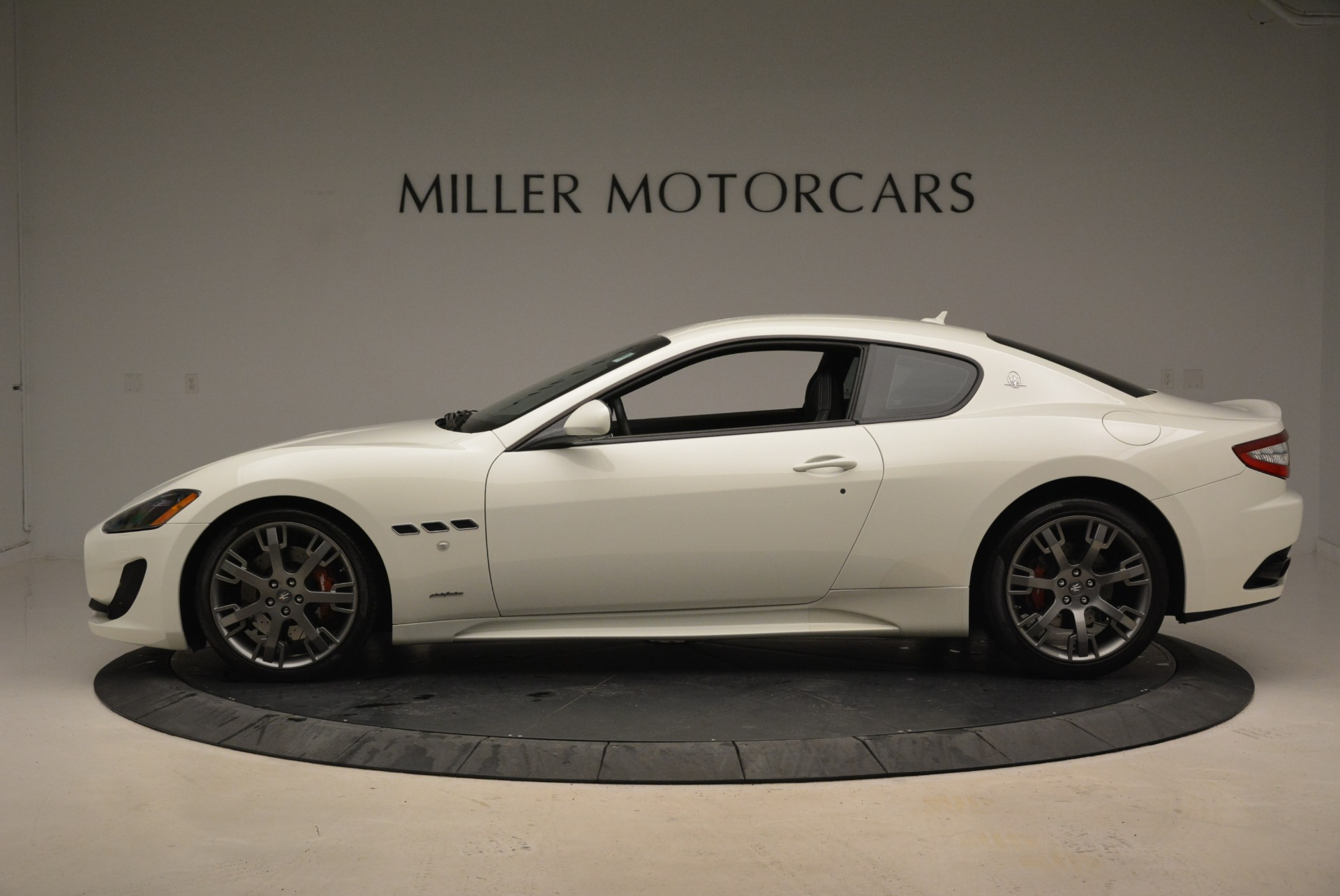 Used 2016 Maserati GranTurismo Sport For Sale In Greenwich, CT. Alfa Romeo of Greenwich, 7334 2095_p3