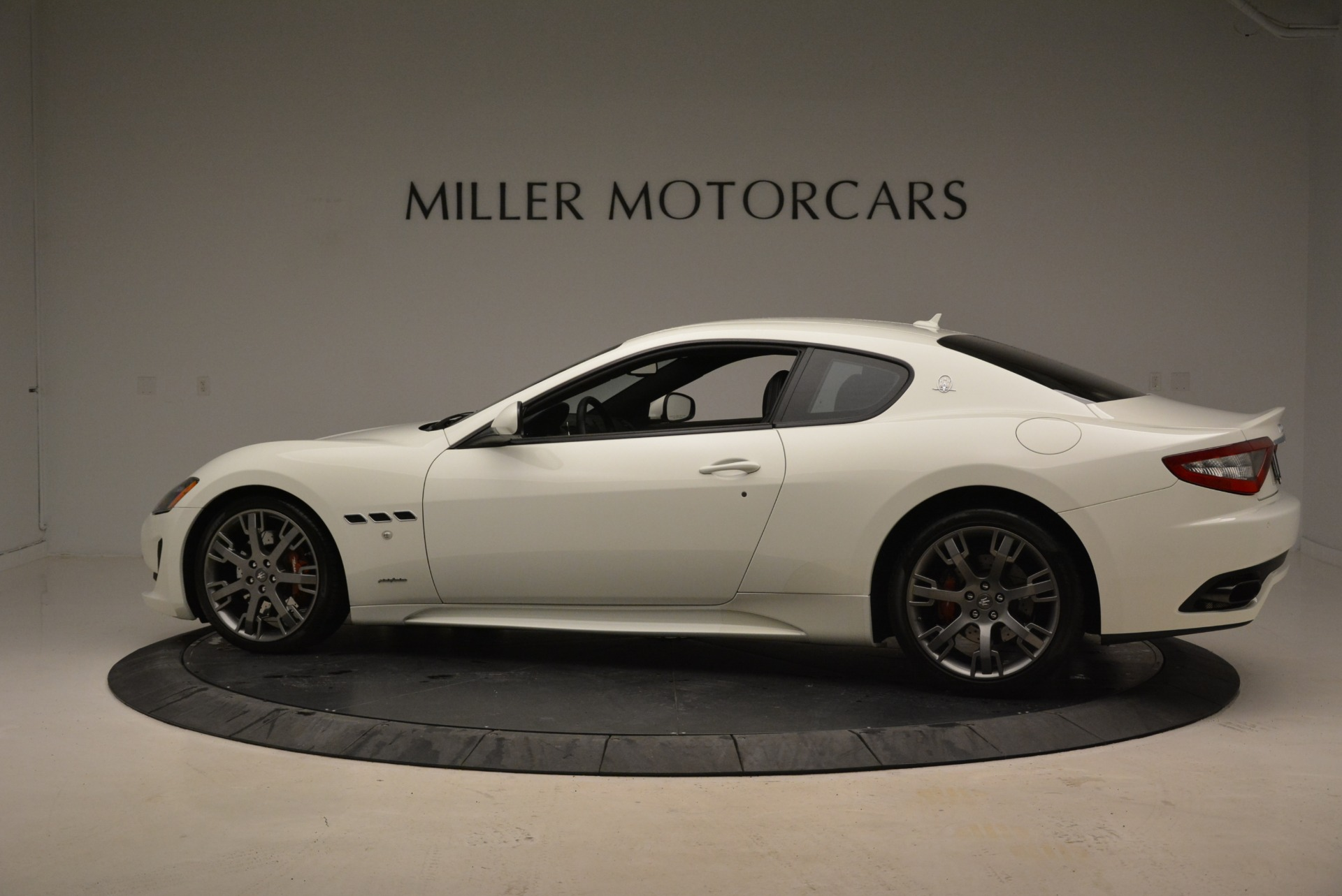 Used 2016 Maserati GranTurismo Sport For Sale In Greenwich, CT. Alfa Romeo of Greenwich, 7334 2095_p4