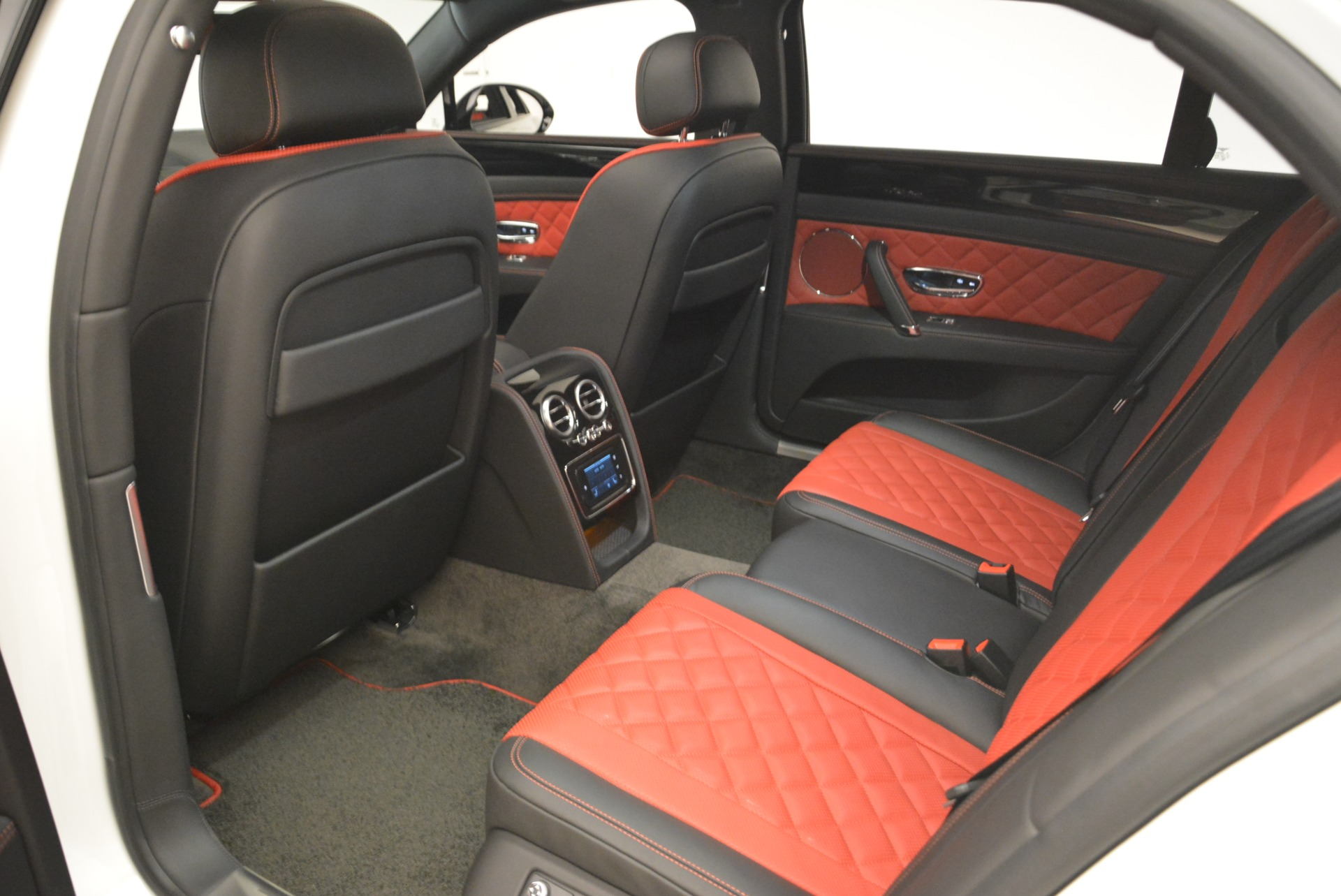 New 2018 Bentley Flying Spur V8 S Black Edition For Sale In Greenwich, CT. Alfa Romeo of Greenwich, B1338 2096_p22