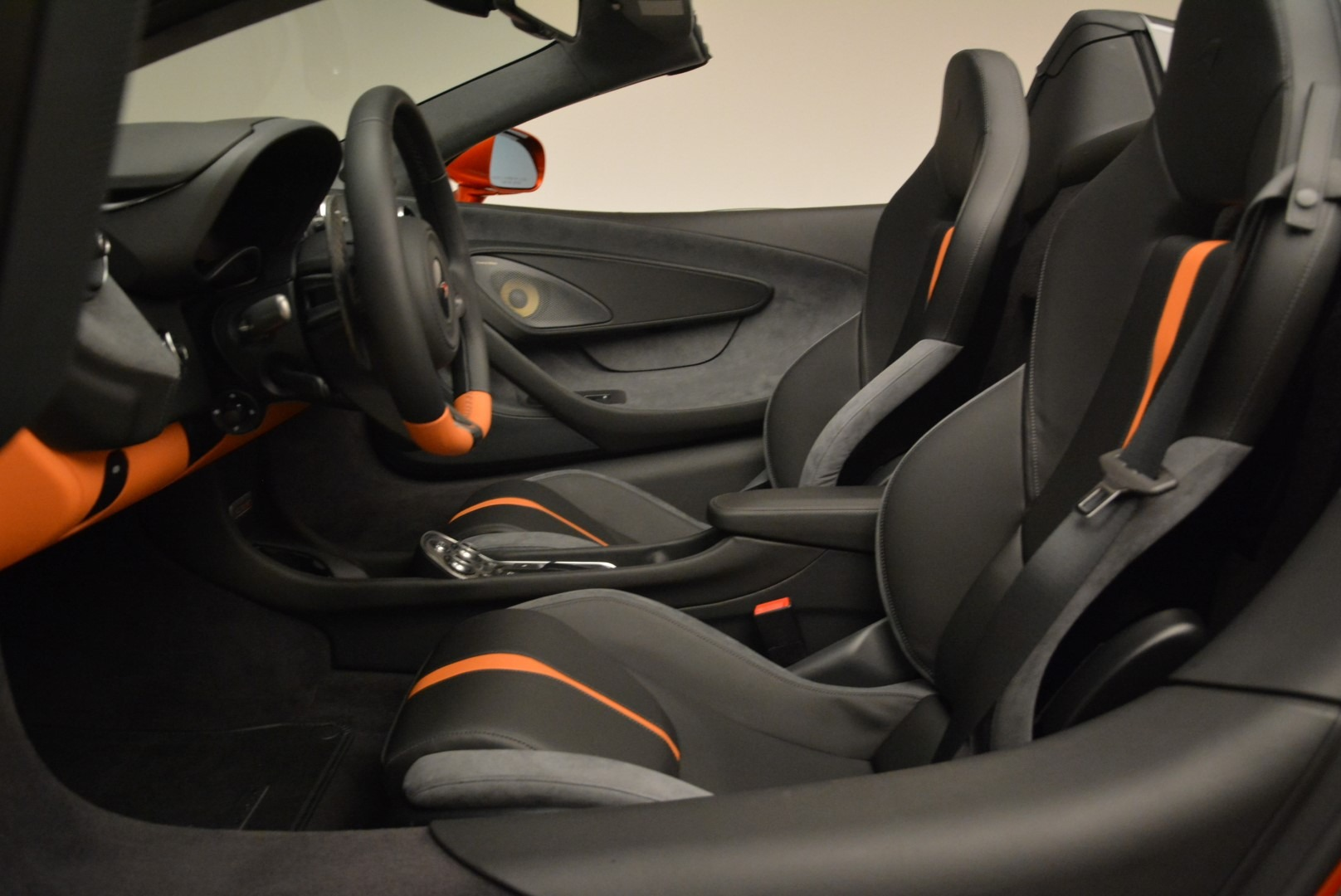 New 2018 McLaren 570S Spider For Sale In Greenwich, CT. Alfa Romeo of Greenwich, MC342 2098_p26