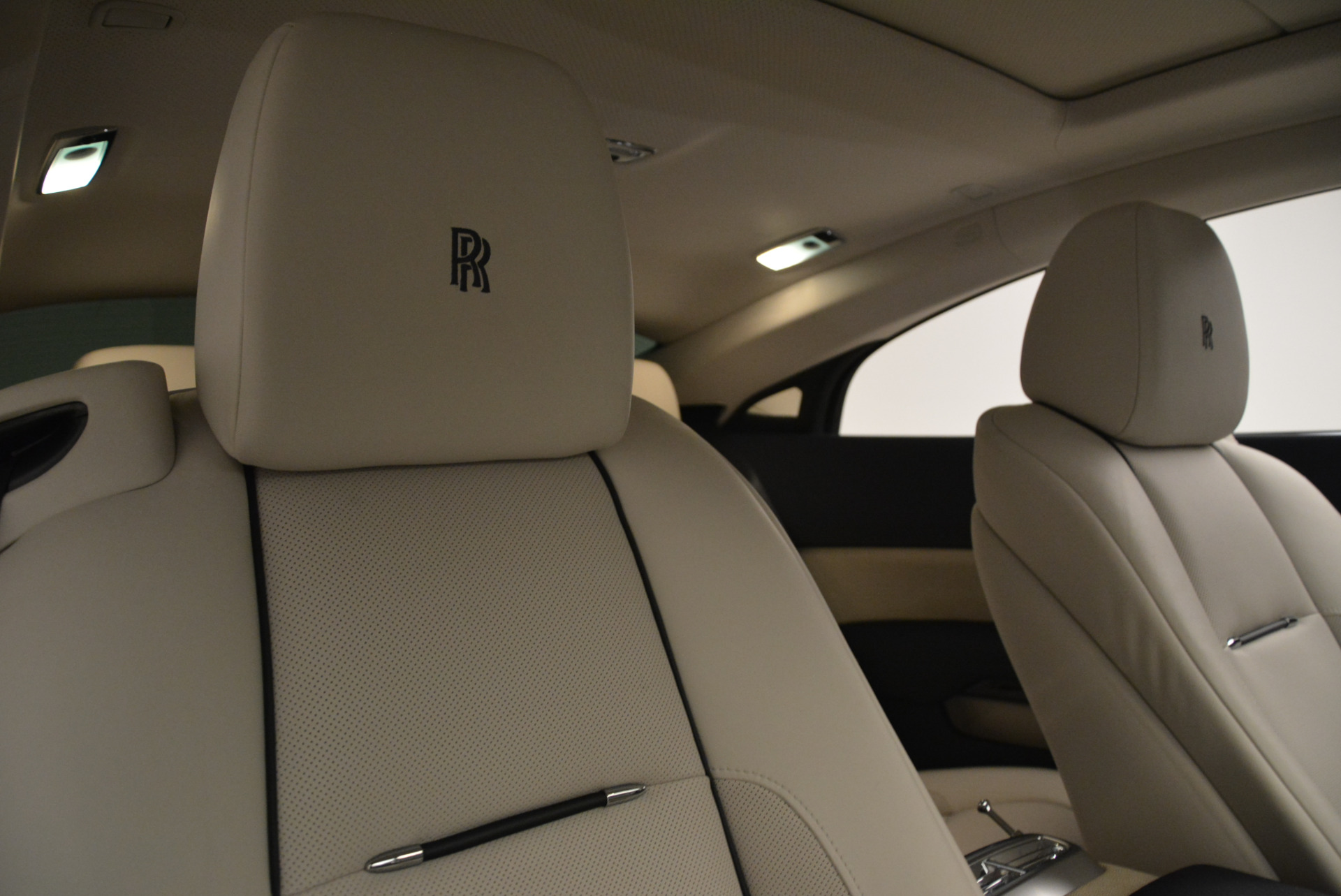 Used 2015 Rolls-Royce Wraith  For Sale In Greenwich, CT. Alfa Romeo of Greenwich, 7599 2099_p23
