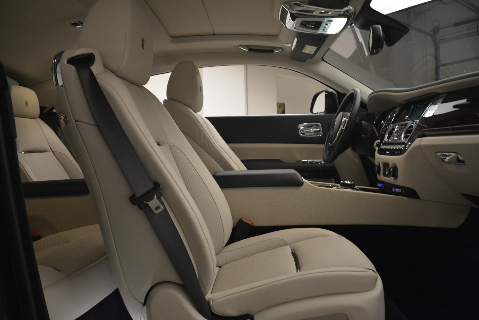 Used 2015 Rolls-Royce Wraith  For Sale In Greenwich, CT. Alfa Romeo of Greenwich, 7599 2099_p25