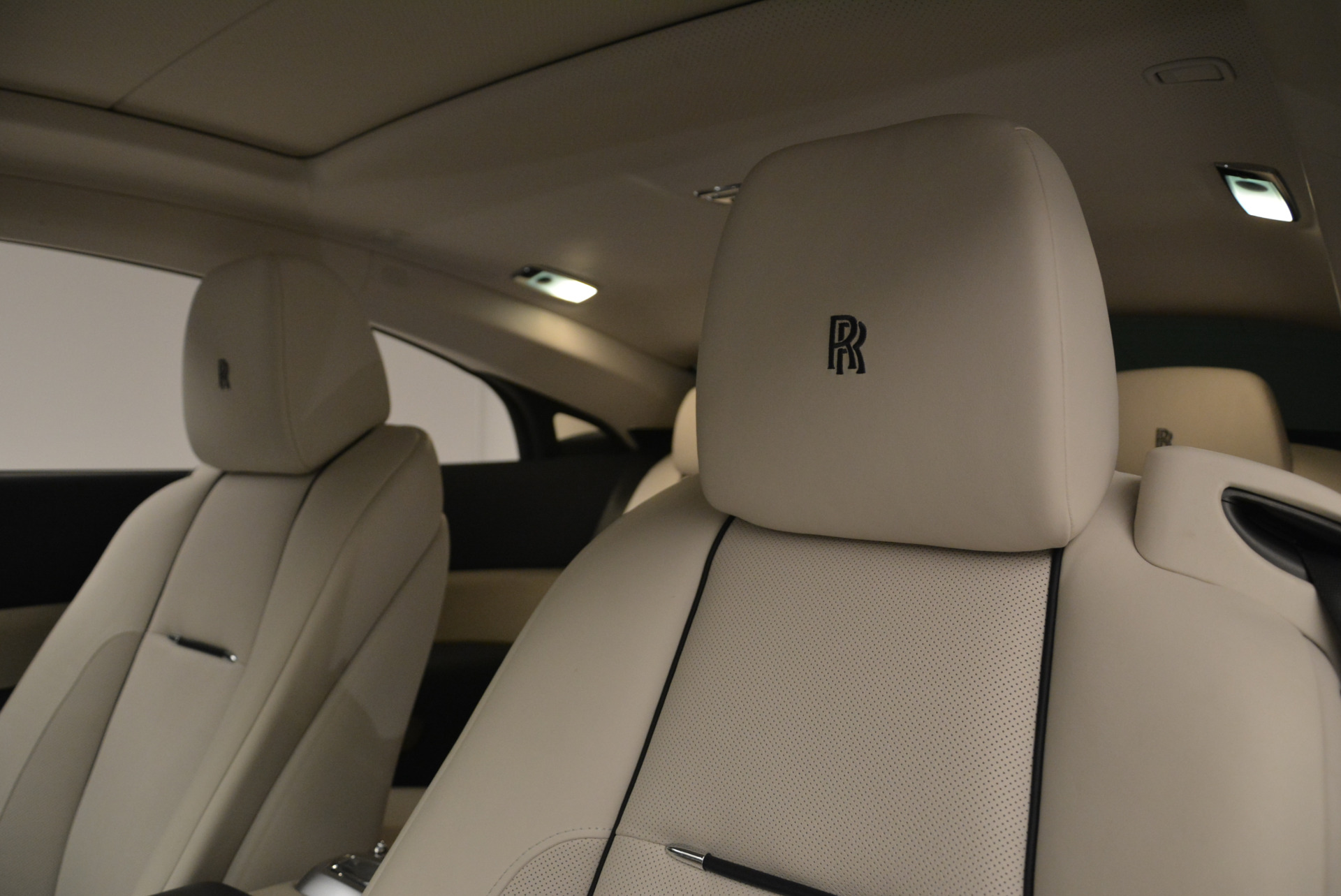 Used 2015 Rolls-Royce Wraith  For Sale In Greenwich, CT. Alfa Romeo of Greenwich, 7599 2099_p28