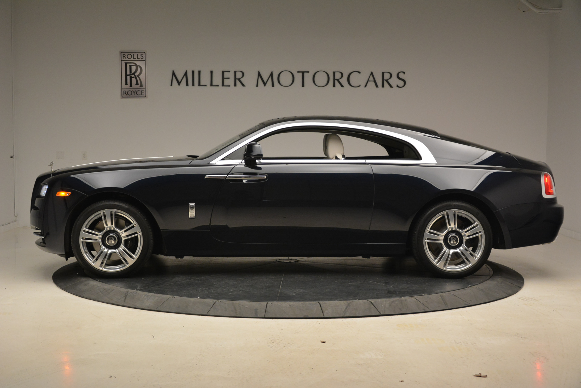 Used 2015 Rolls-Royce Wraith  For Sale In Greenwich, CT. Alfa Romeo of Greenwich, 7599 2099_p3