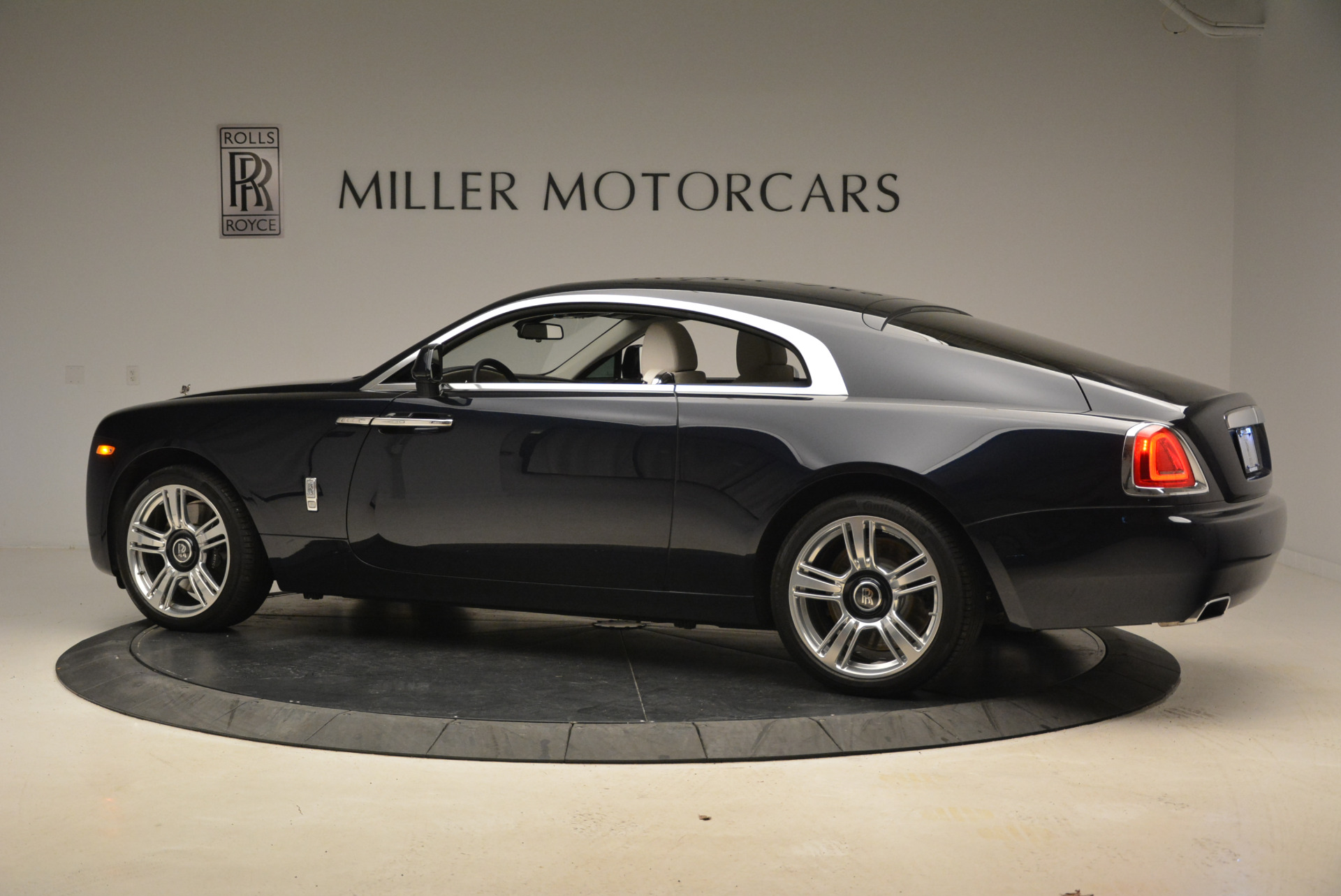 Used 2015 Rolls-Royce Wraith  For Sale In Greenwich, CT. Alfa Romeo of Greenwich, 7599 2099_p4