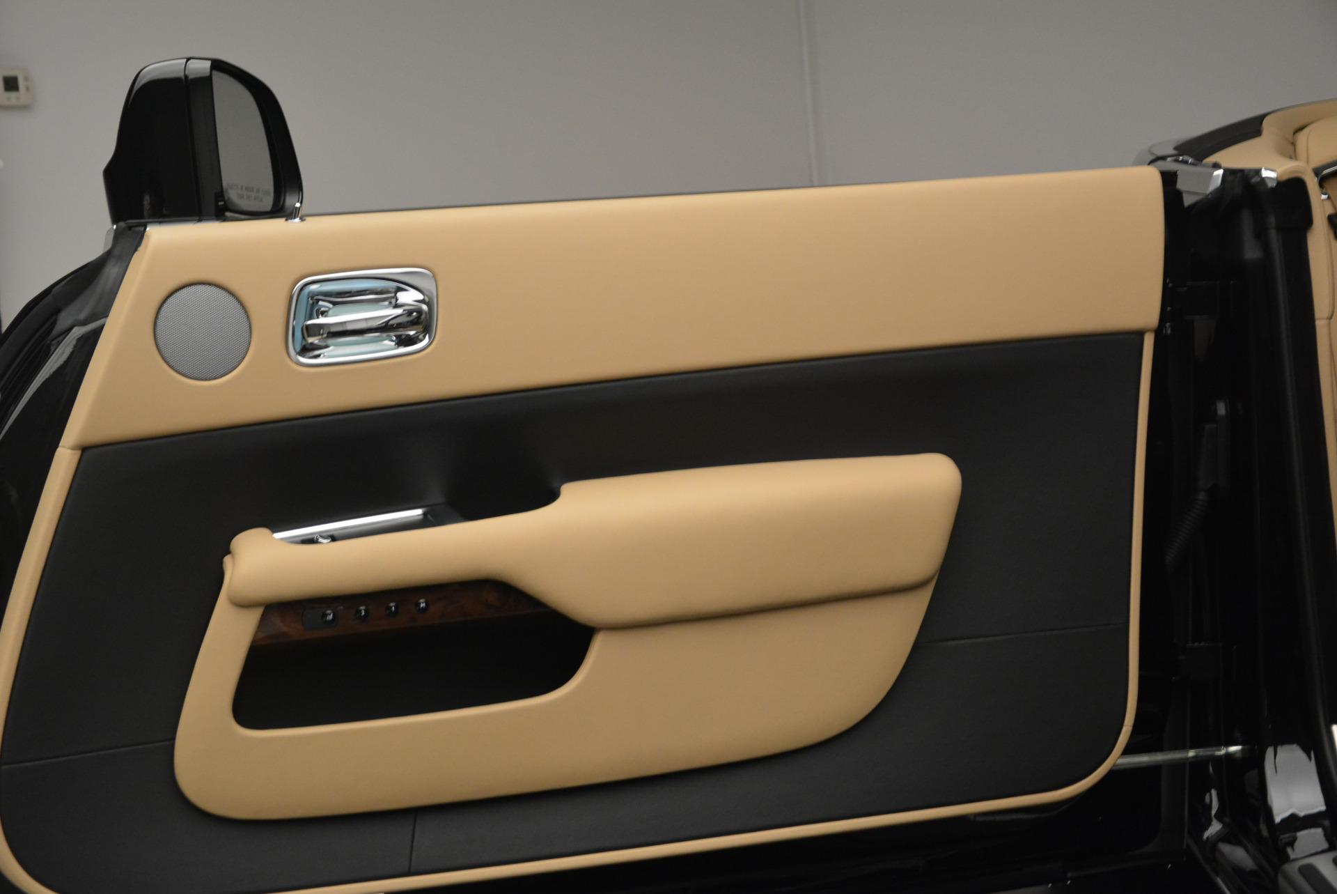 Used 2018 Rolls-Royce Dawn  For Sale In Greenwich, CT. Alfa Romeo of Greenwich, R461 2105_p29