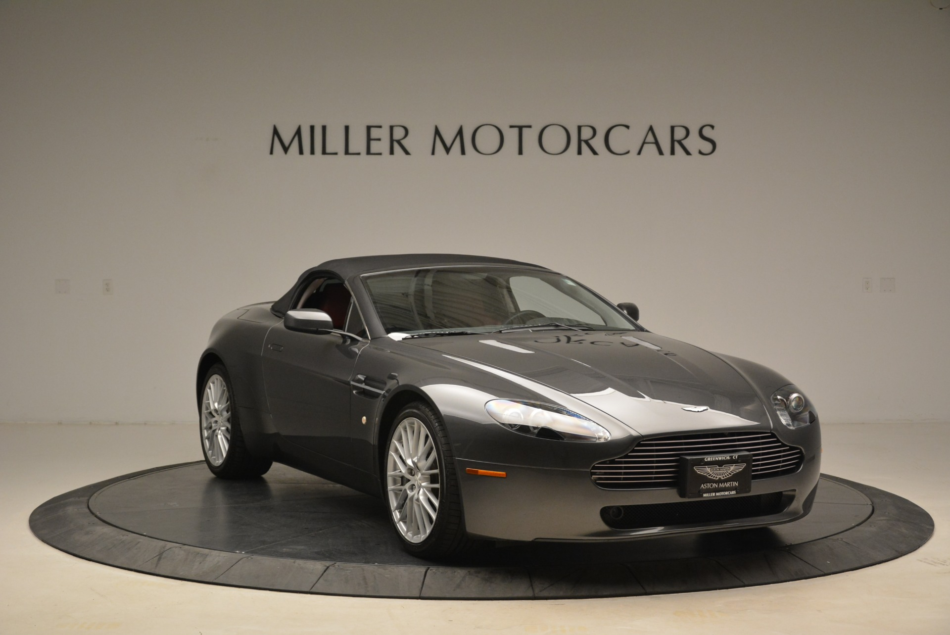 Used 2009 Aston Martin V8 Vantage Roadster For Sale In Greenwich, CT. Alfa Romeo of Greenwich, 7333 2123_p23