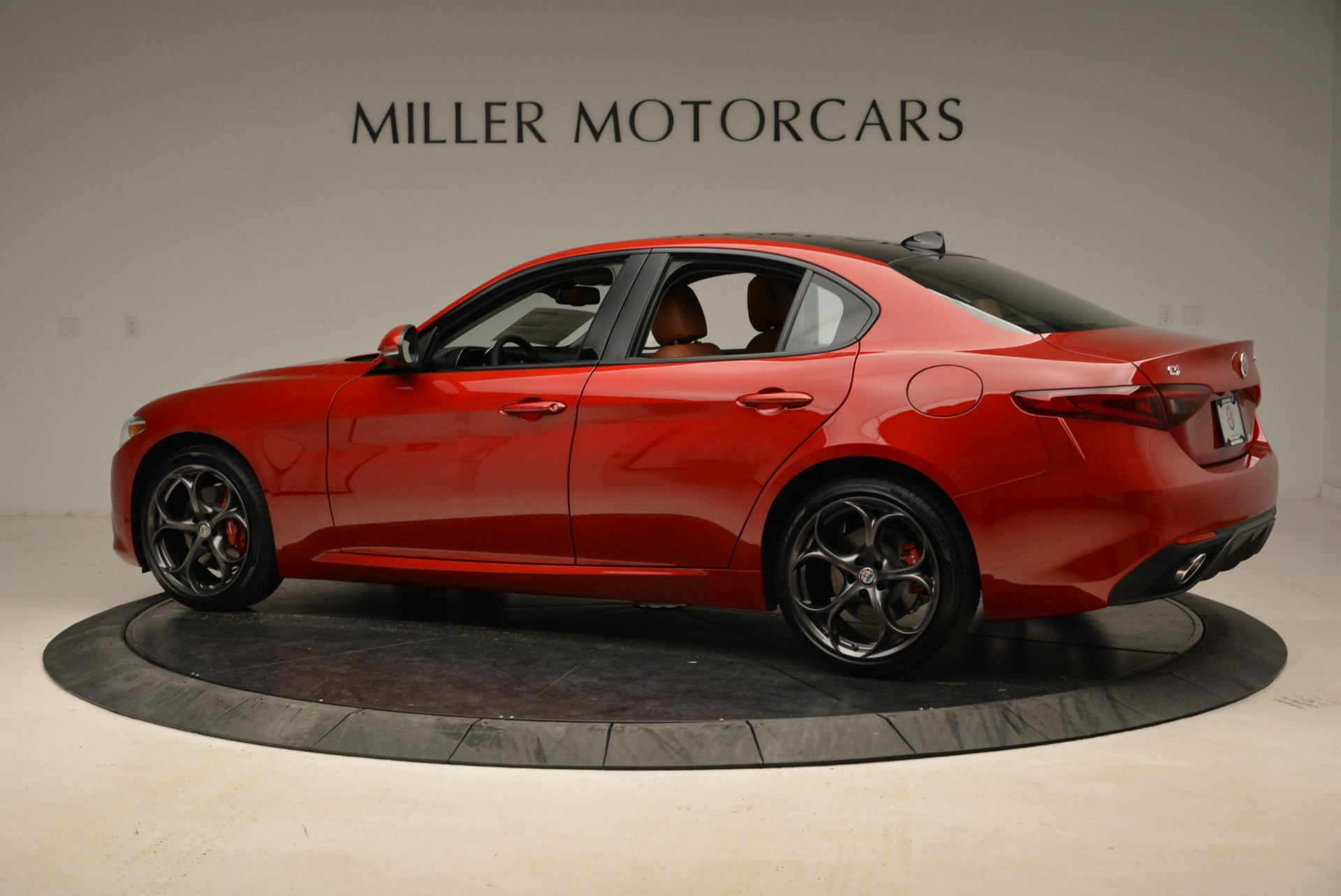 New 2018 Alfa Romeo Giulia Ti Sport Q4 For Sale In Greenwich, CT. Alfa Romeo of Greenwich, L365 2126_p4