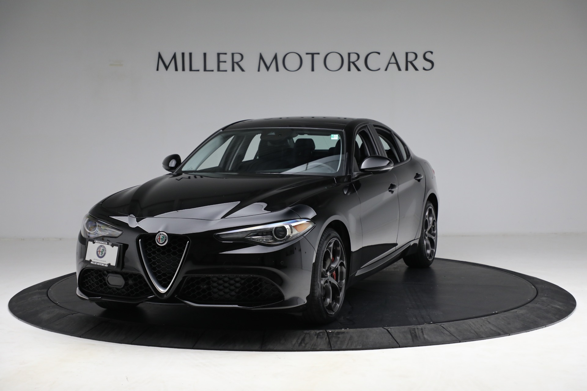 New 2018 Alfa Romeo Giulia Ti Sport Q4 For Sale In Greenwich, CT. Alfa Romeo of Greenwich, LW118