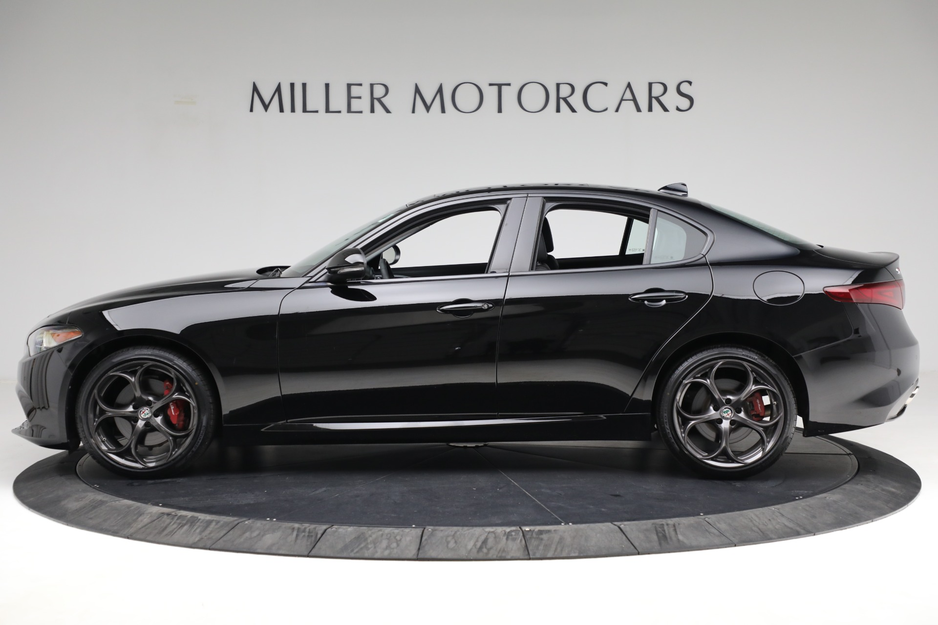 New 2018 Alfa Romeo Giulia Ti Sport Q4 For Sale In Greenwich, CT. Alfa Romeo of Greenwich, LW118 2130_p3