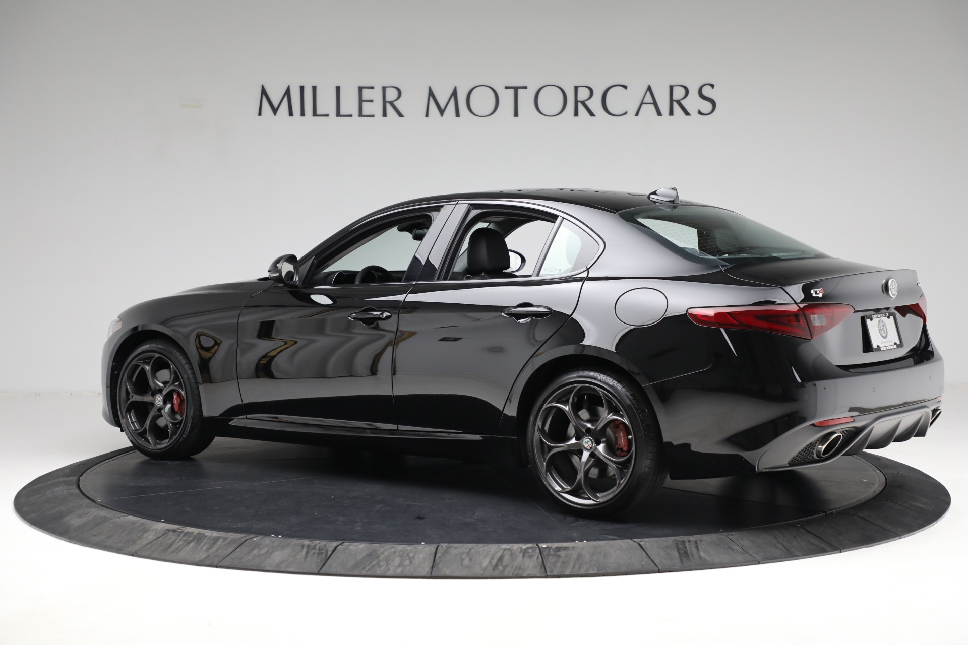 New 2018 Alfa Romeo Giulia Ti Sport Q4 For Sale In Greenwich, CT. Alfa Romeo of Greenwich, LW118 2130_p4