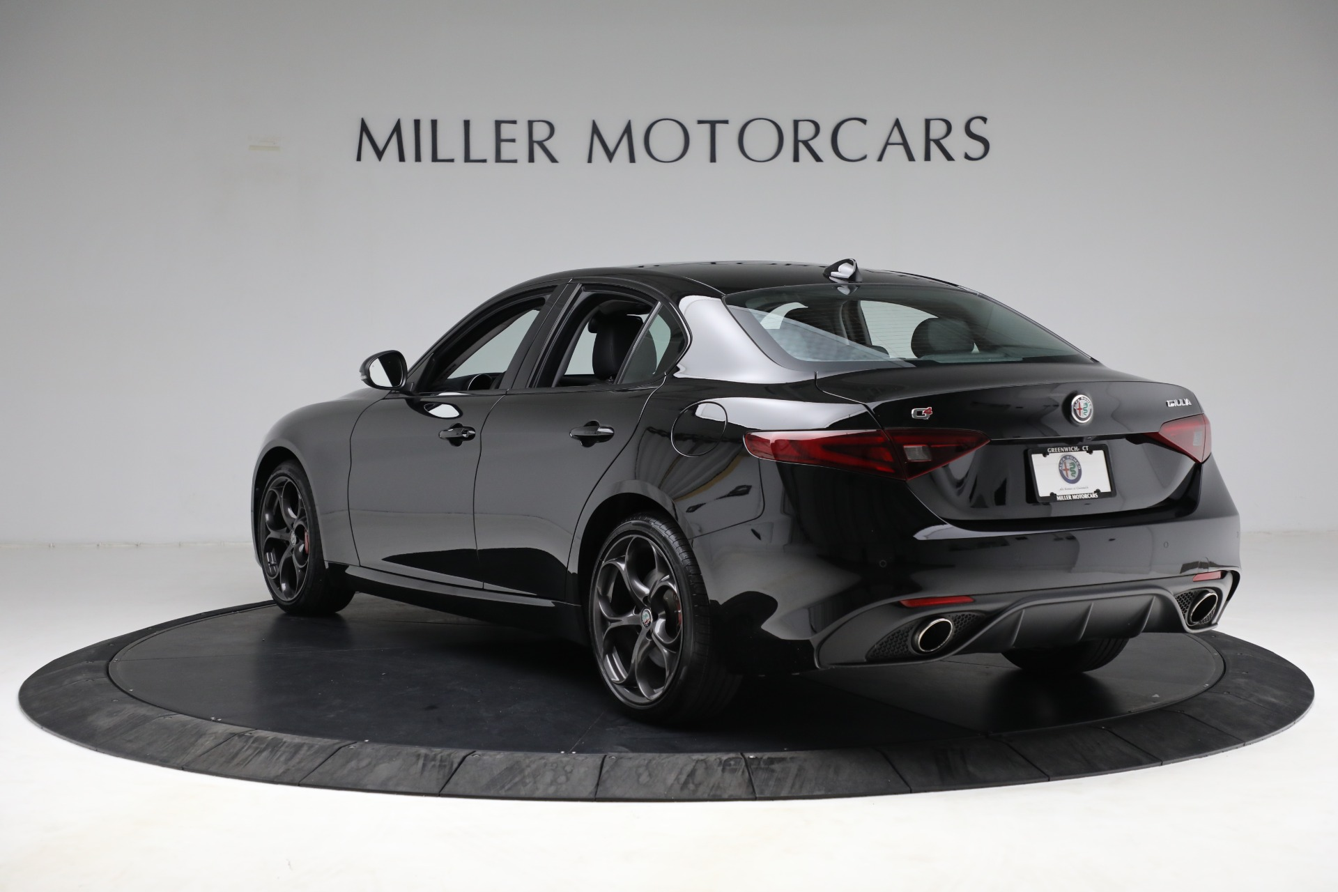 New 2018 Alfa Romeo Giulia Ti Sport Q4 For Sale In Greenwich, CT. Alfa Romeo of Greenwich, LW118 2130_p5