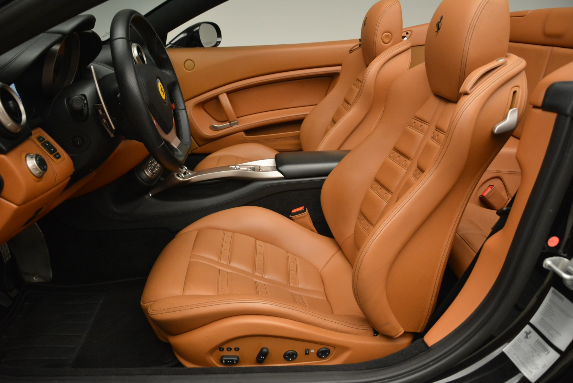 Used 2014 Ferrari California 30 For Sale In Greenwich, CT. Alfa Romeo of Greenwich, 4413A 2132_p26