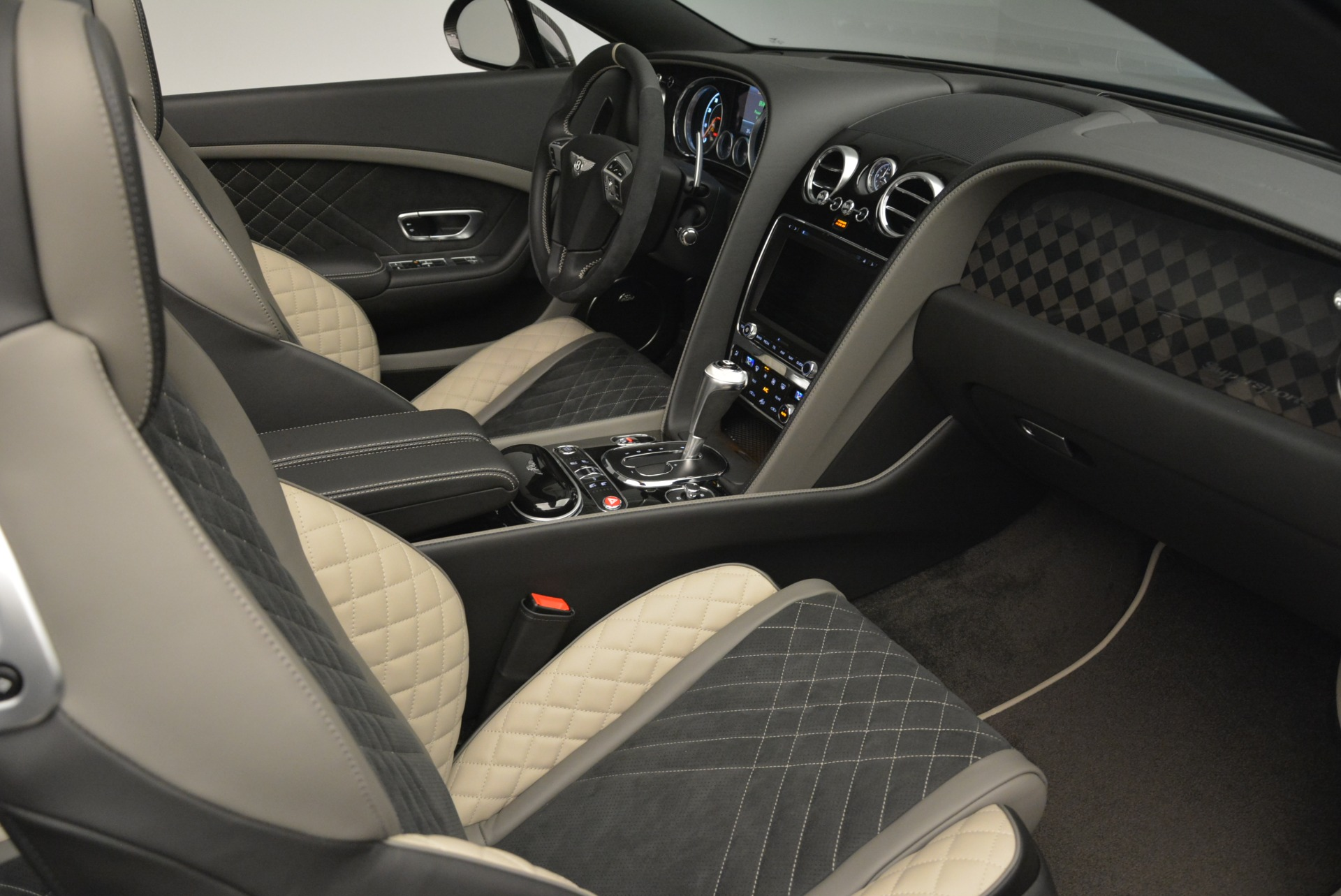 Used 2018 Bentley Continental GT Supersports Convertible For Sale In Greenwich, CT. Alfa Romeo of Greenwich, B1342 2134_p27