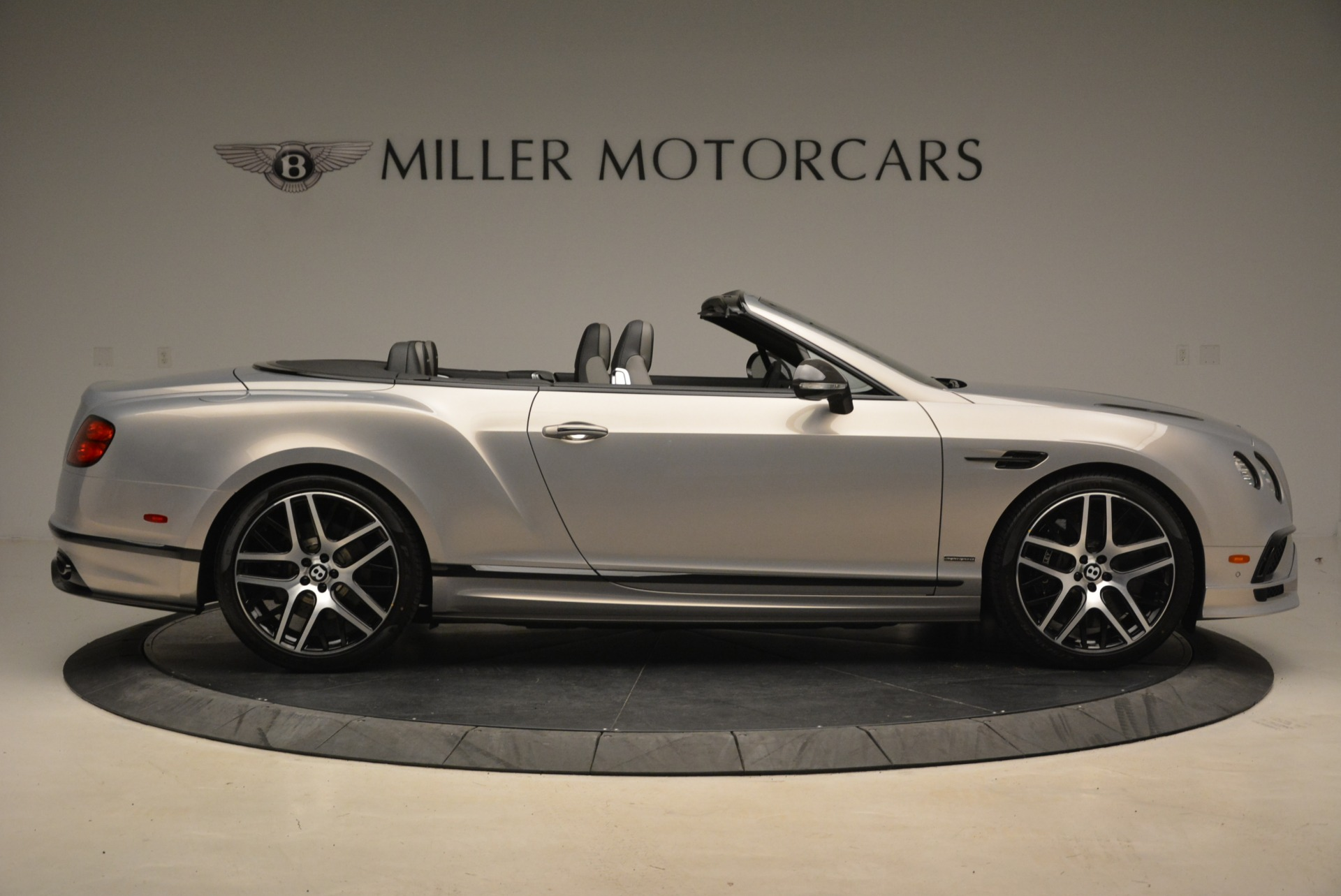 Used 2018 Bentley Continental GT Supersports Convertible For Sale In Greenwich, CT. Alfa Romeo of Greenwich, B1342 2134_p9