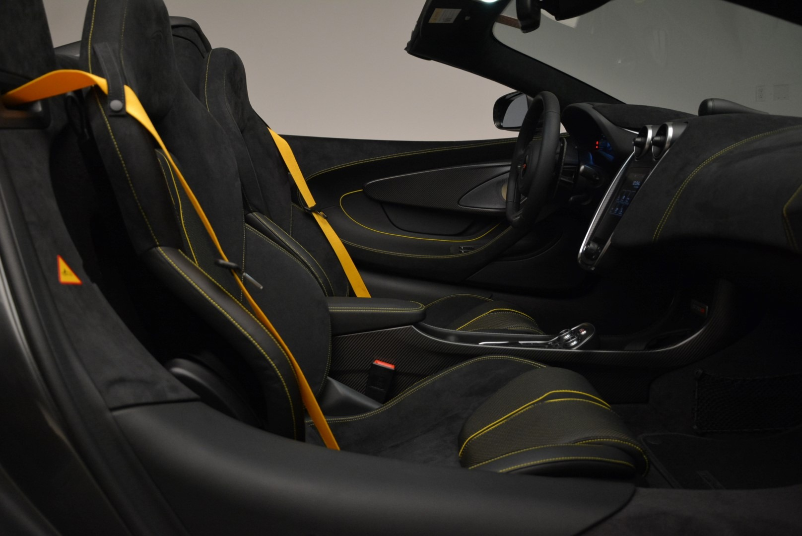 New 2018 McLaren 570S Spider For Sale In Greenwich, CT. Alfa Romeo of Greenwich, MC350 2137_p27