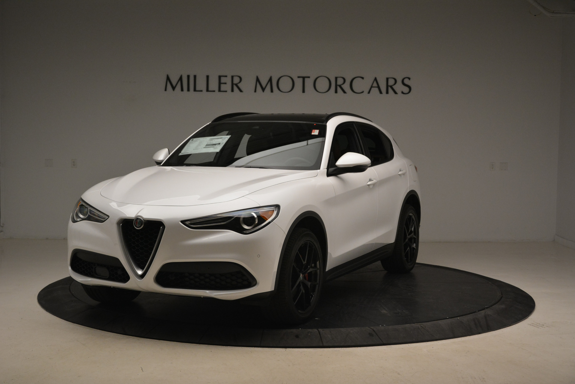New 2018 Alfa Romeo Stelvio Ti Sport Q4 For Sale In Greenwich, CT. Alfa Romeo of Greenwich, L372
