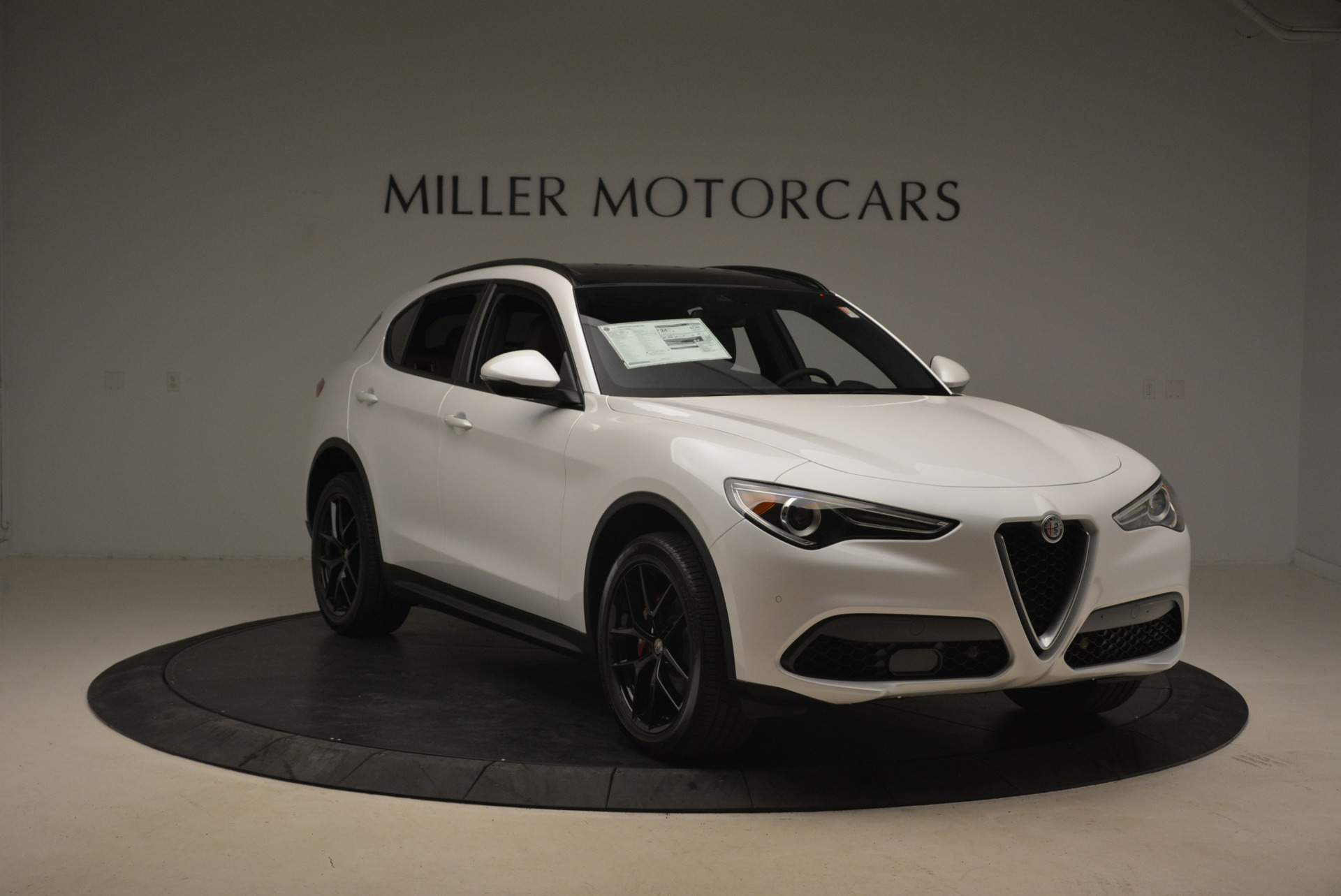 New 2018 Alfa Romeo Stelvio Ti Sport Q4 For Sale In Greenwich, CT. Alfa Romeo of Greenwich, L372 2138_p11