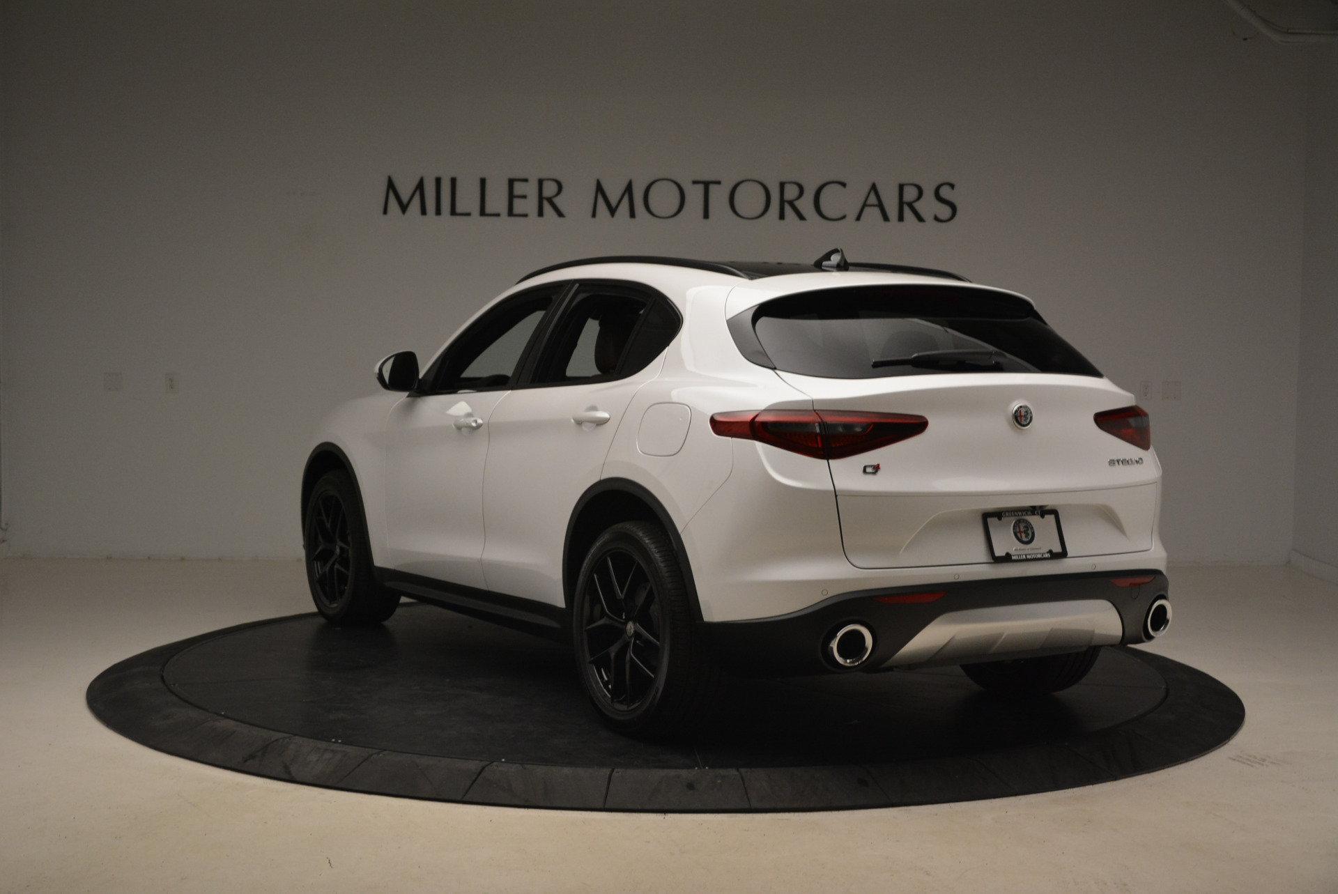 New 2018 Alfa Romeo Stelvio Ti Sport Q4 For Sale In Greenwich, CT. Alfa Romeo of Greenwich, L372 2138_p5