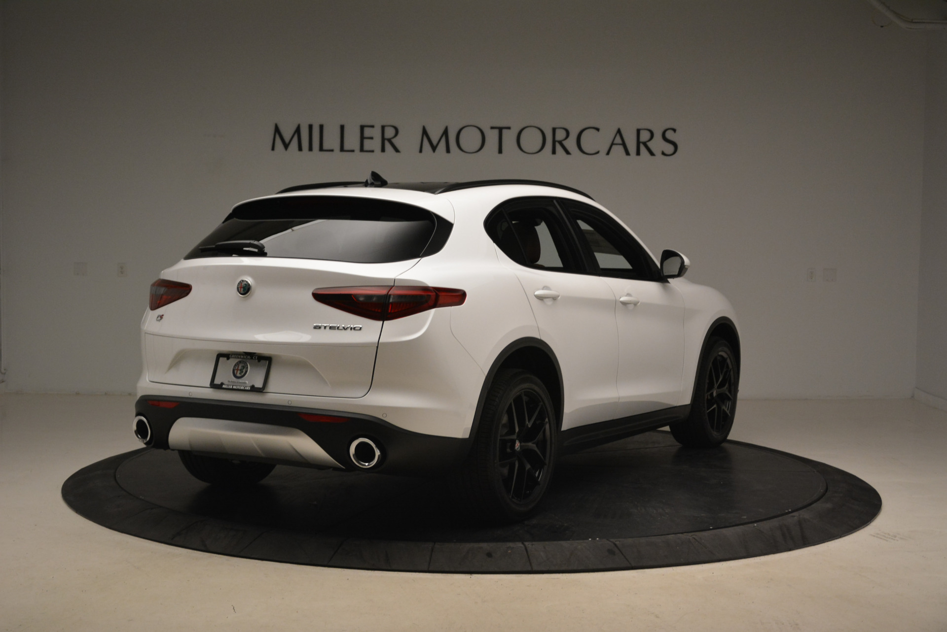 New 2018 Alfa Romeo Stelvio Ti Sport Q4 For Sale In Greenwich, CT. Alfa Romeo of Greenwich, L372 2138_p7