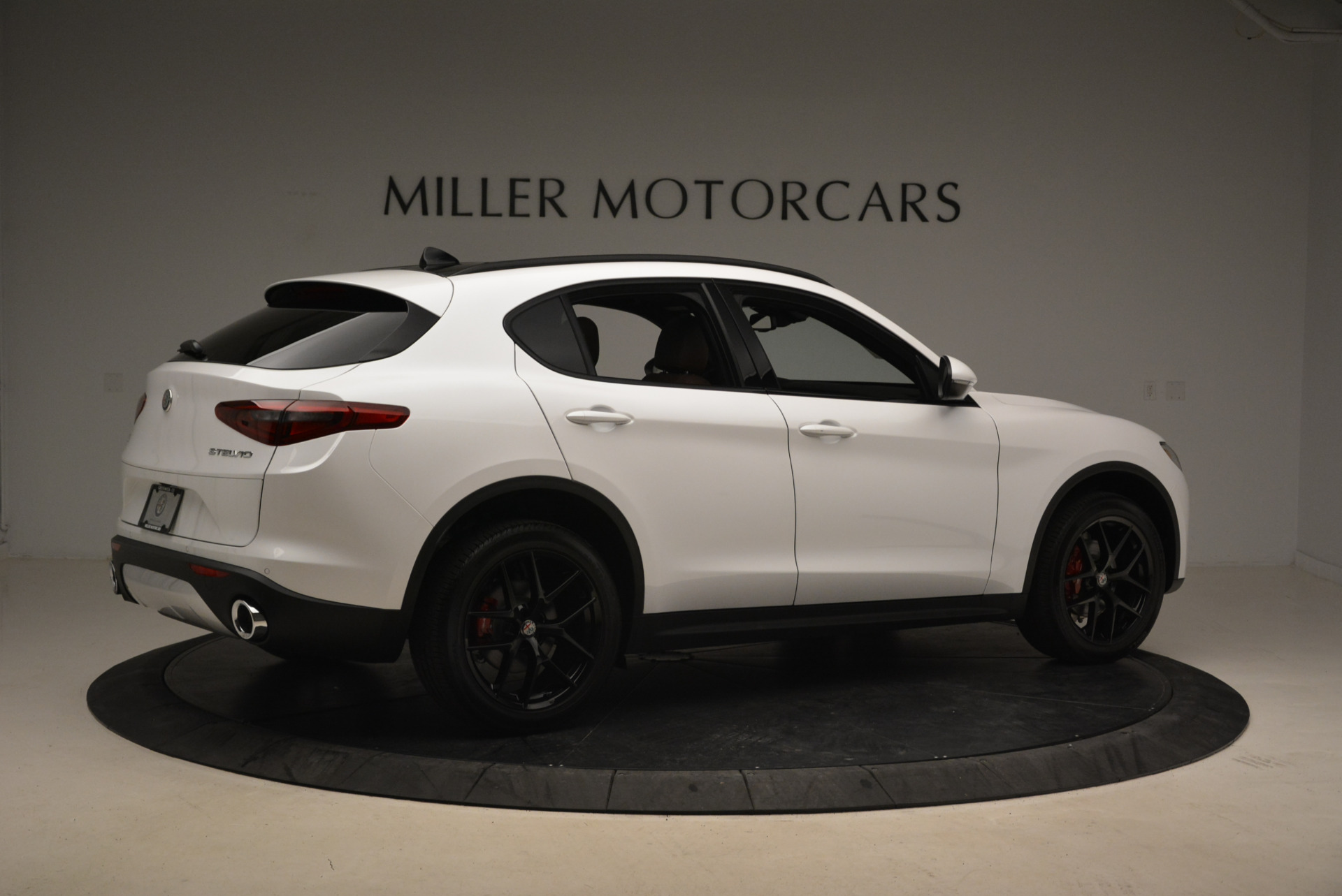 New 2018 Alfa Romeo Stelvio Ti Sport Q4 For Sale In Greenwich, CT. Alfa Romeo of Greenwich, L372 2138_p8