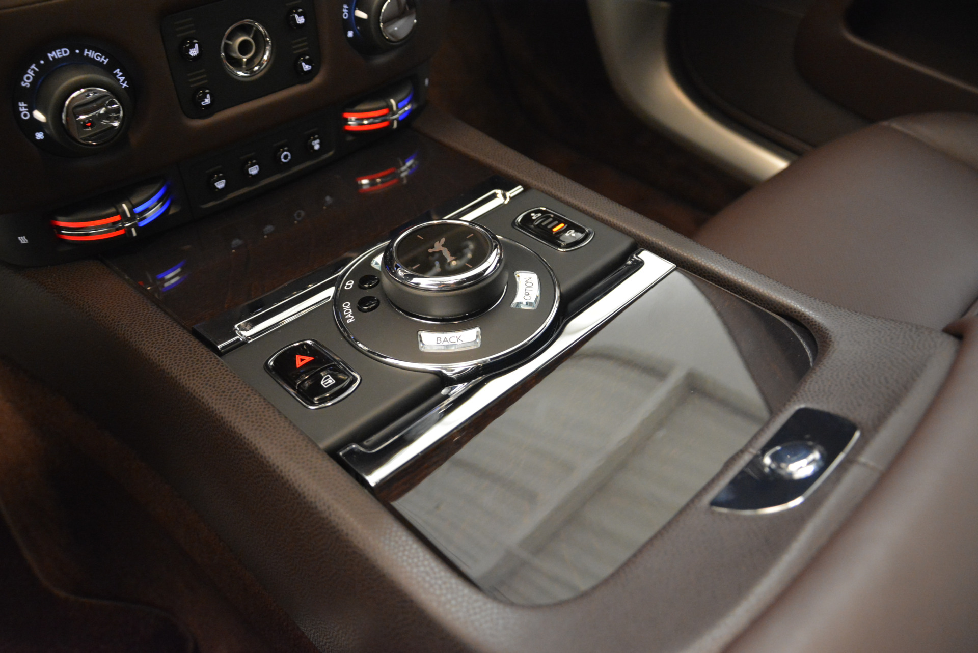 Used 2016 Rolls-Royce Wraith  For Sale In Greenwich, CT. Alfa Romeo of Greenwich, 7391 214_p20