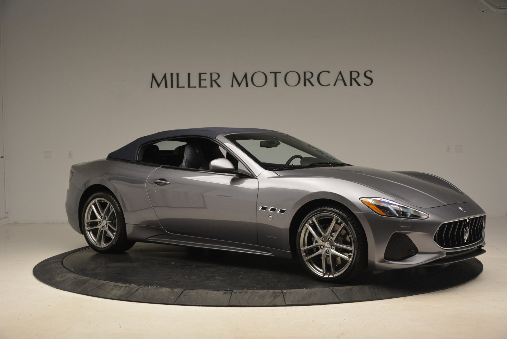 New 2018 Maserati GranTurismo Sport Convertible For Sale In Greenwich, CT. Alfa Romeo of Greenwich, W581 2140_p10