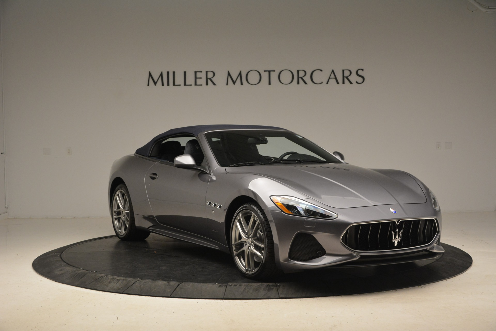 New 2018 Maserati GranTurismo Sport Convertible For Sale In Greenwich, CT. Alfa Romeo of Greenwich, W581 2140_p11