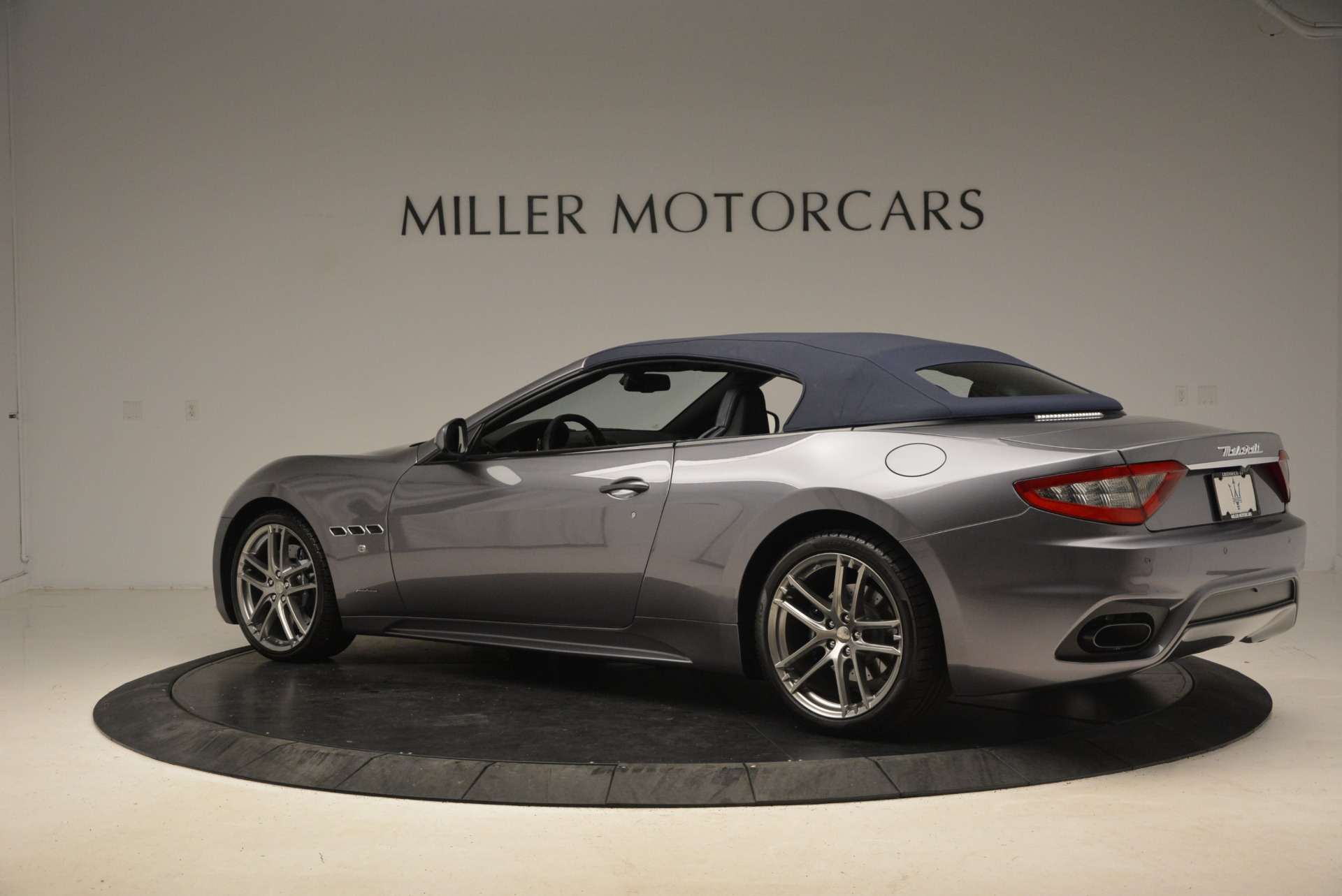 New 2018 Maserati GranTurismo Sport Convertible For Sale In Greenwich, CT. Alfa Romeo of Greenwich, W581 2140_p4