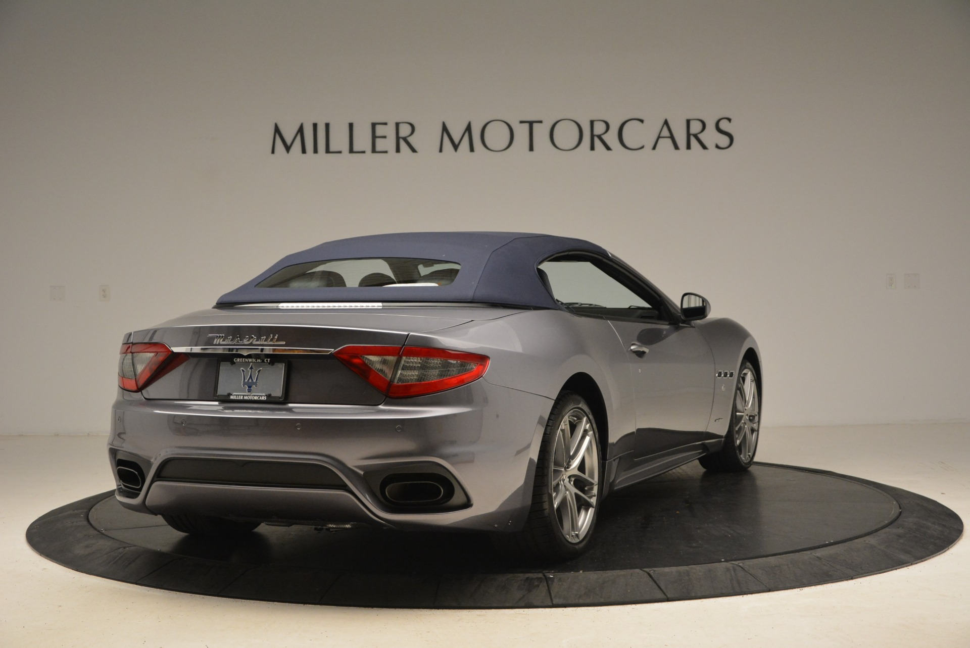New 2018 Maserati GranTurismo Sport Convertible For Sale In Greenwich, CT. Alfa Romeo of Greenwich, W581 2140_p7