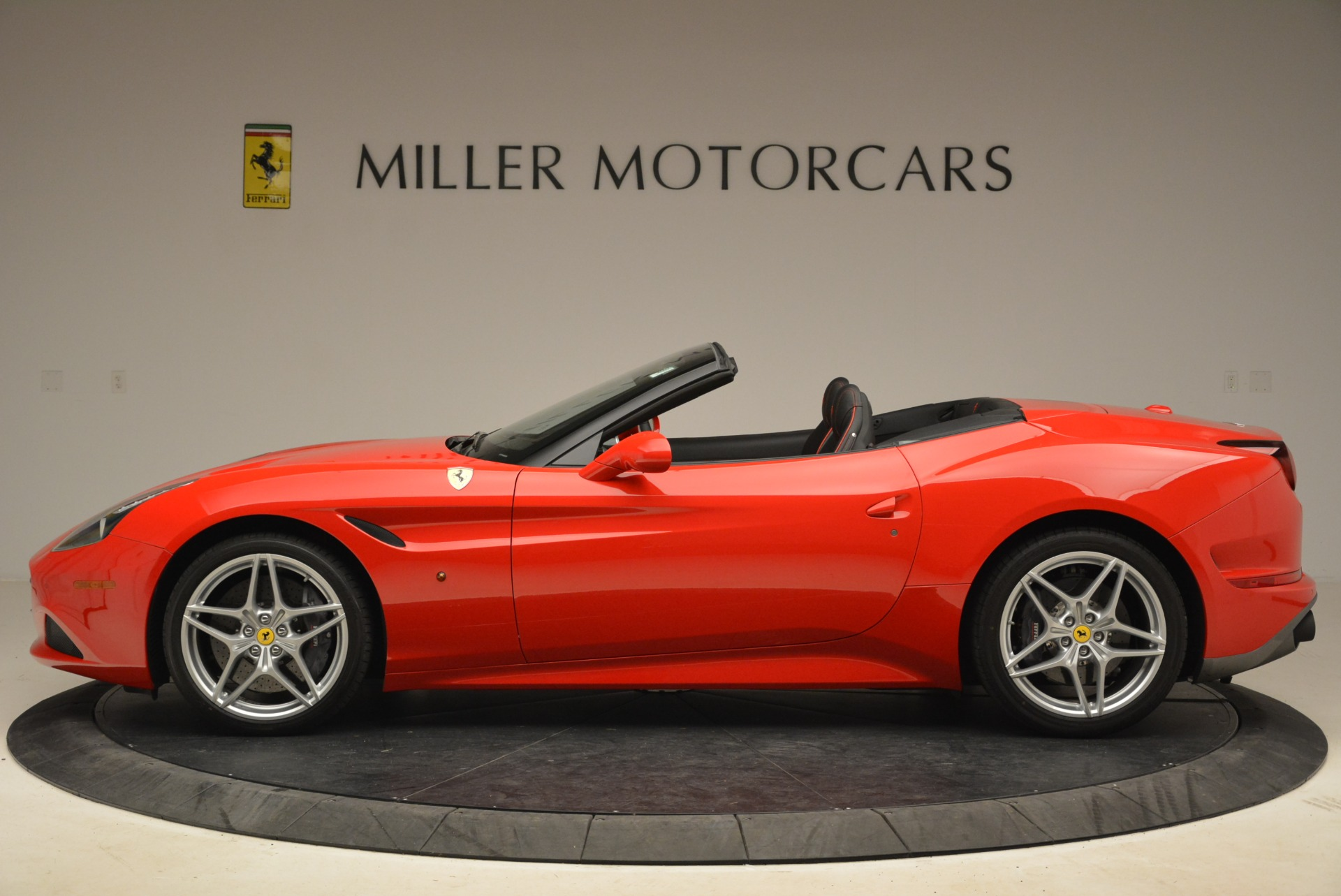 Used 2016 Ferrari California T Handling Speciale For Sale In Greenwich, CT. Alfa Romeo of Greenwich, 4587 2153_p3