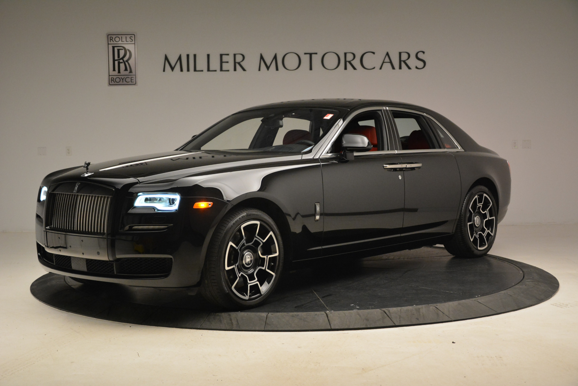 Used 2017 Rolls-Royce Ghost Black Badge For Sale In Greenwich, CT. Alfa Romeo of Greenwich, R451 2154_main