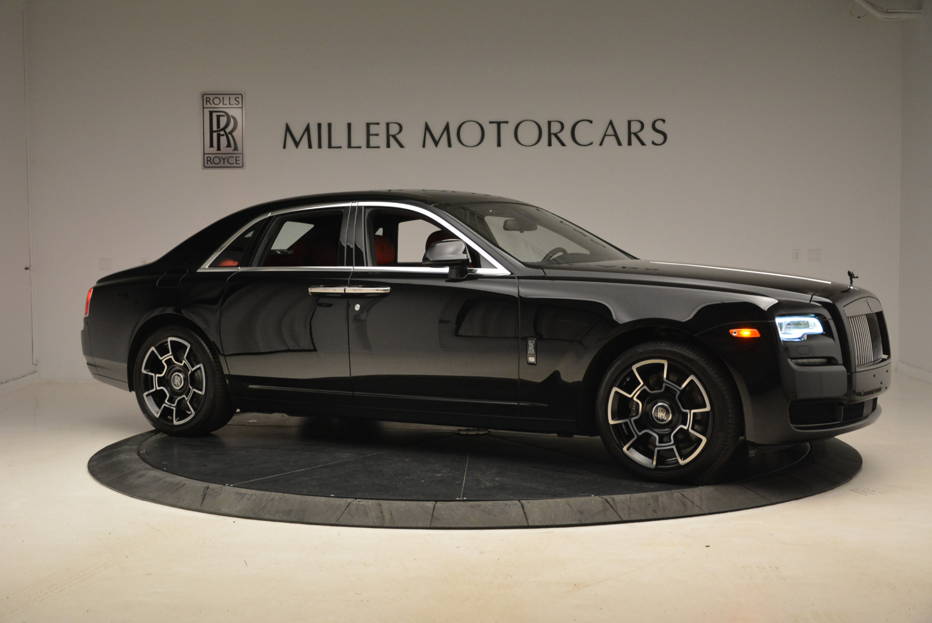 Used 2017 Rolls-Royce Ghost Black Badge For Sale In Greenwich, CT. Alfa Romeo of Greenwich, R451 2154_p10