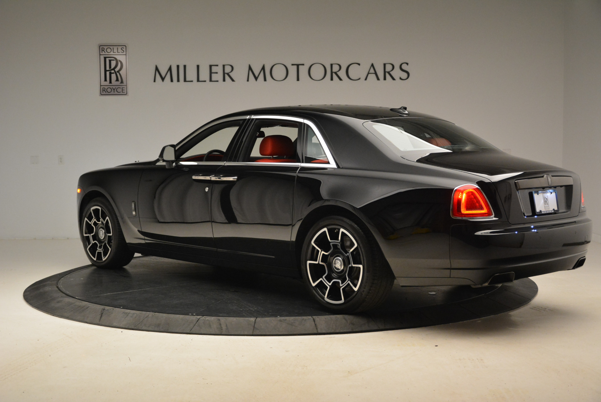 Used 2017 Rolls-Royce Ghost Black Badge For Sale In Greenwich, CT. Alfa Romeo of Greenwich, R451 2154_p5