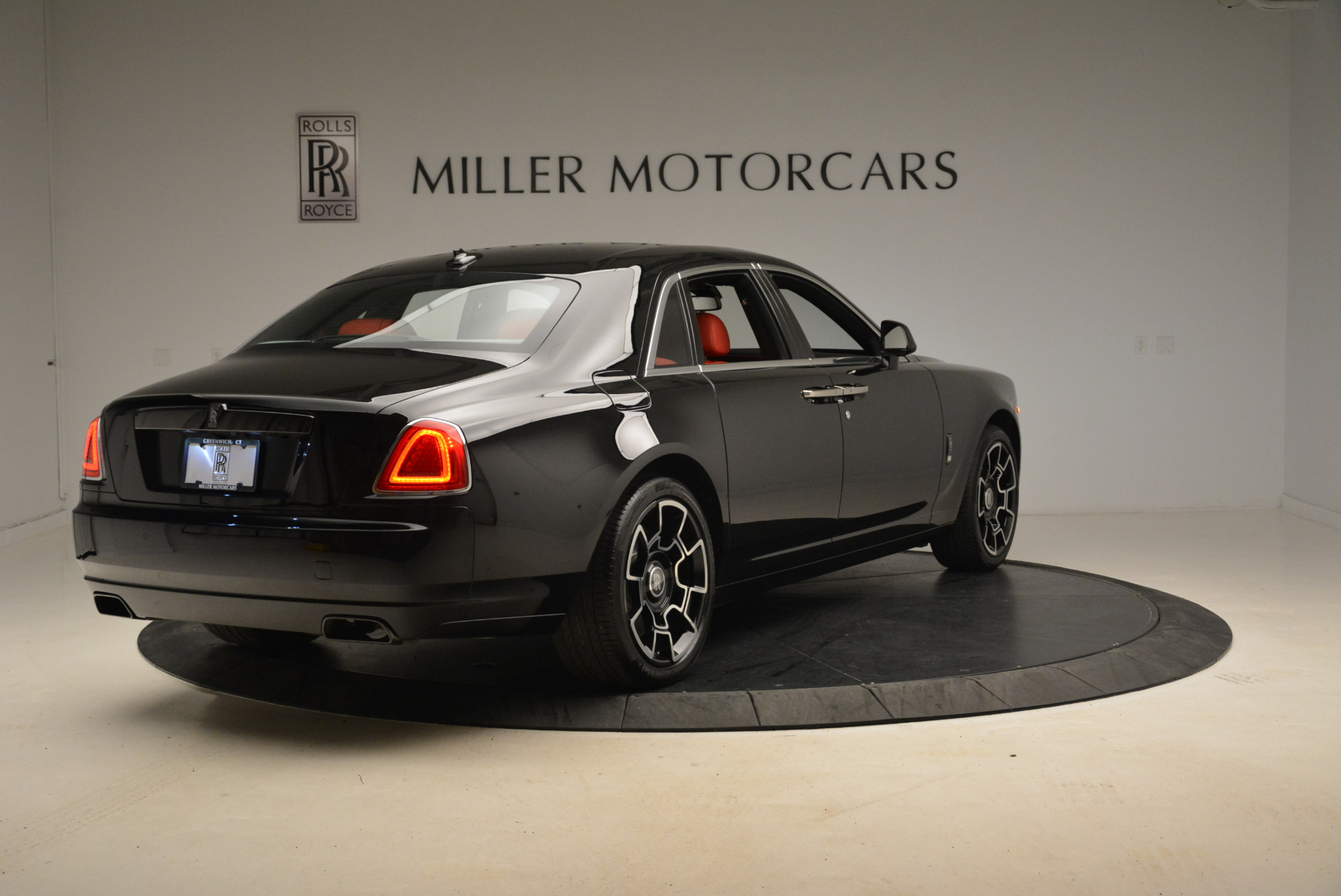 Used 2017 Rolls-Royce Ghost Black Badge For Sale In Greenwich, CT. Alfa Romeo of Greenwich, R451 2154_p7